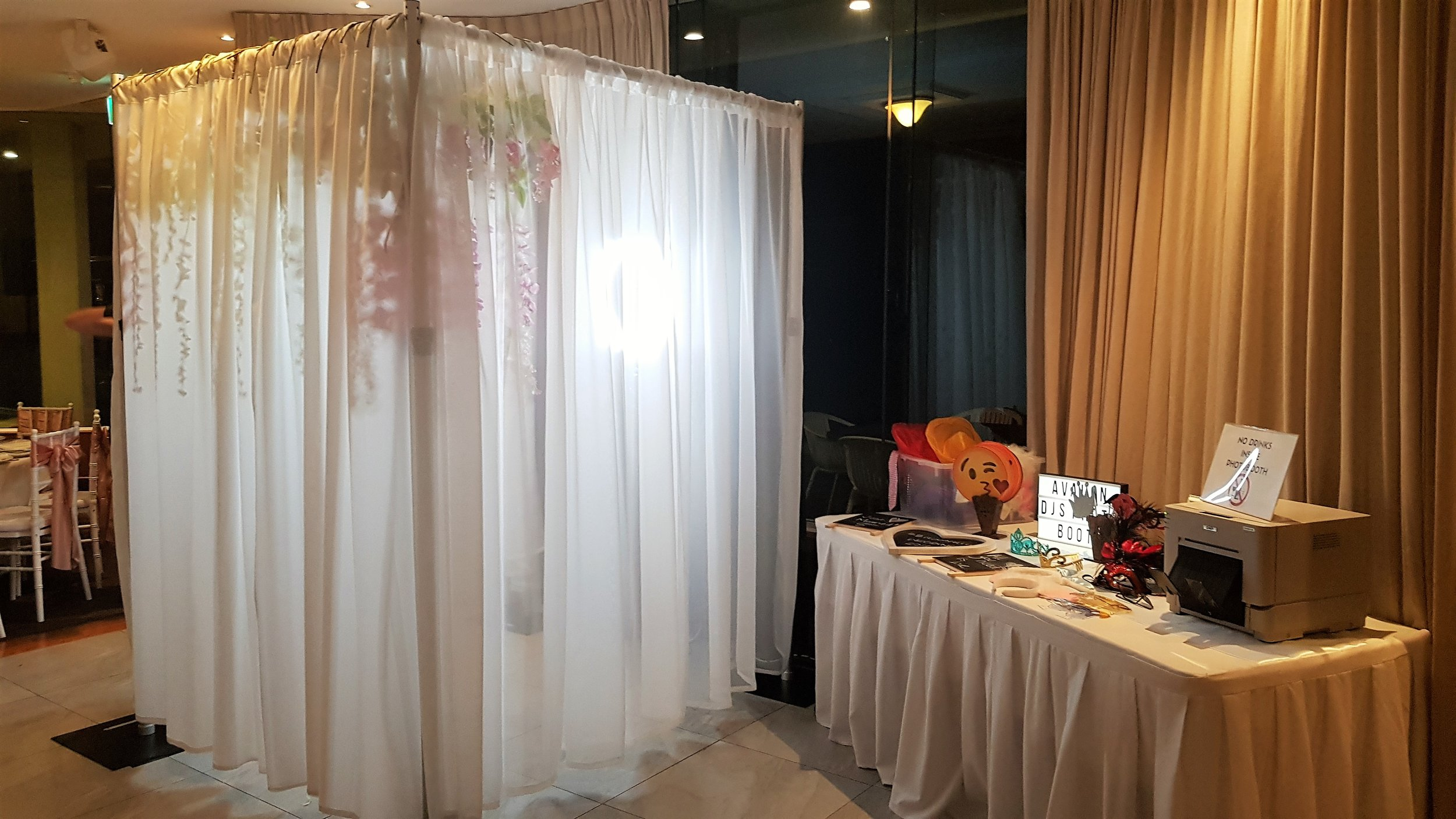 Avalon DJs Wedding Photobooth w/ Flower Backdrop