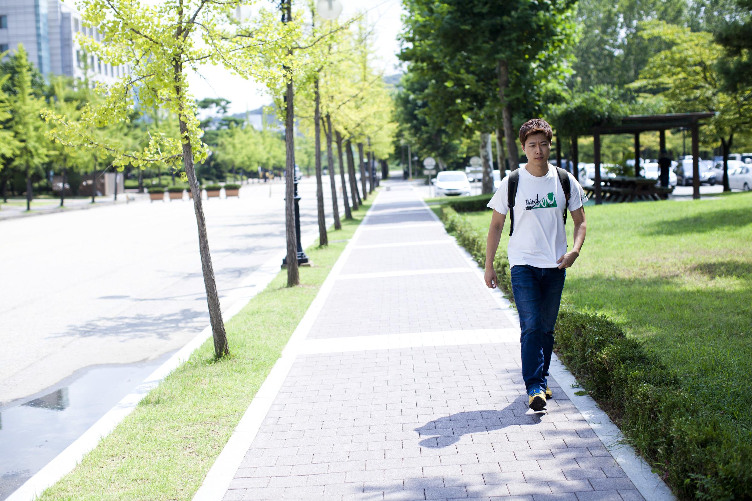 walker3.jpg