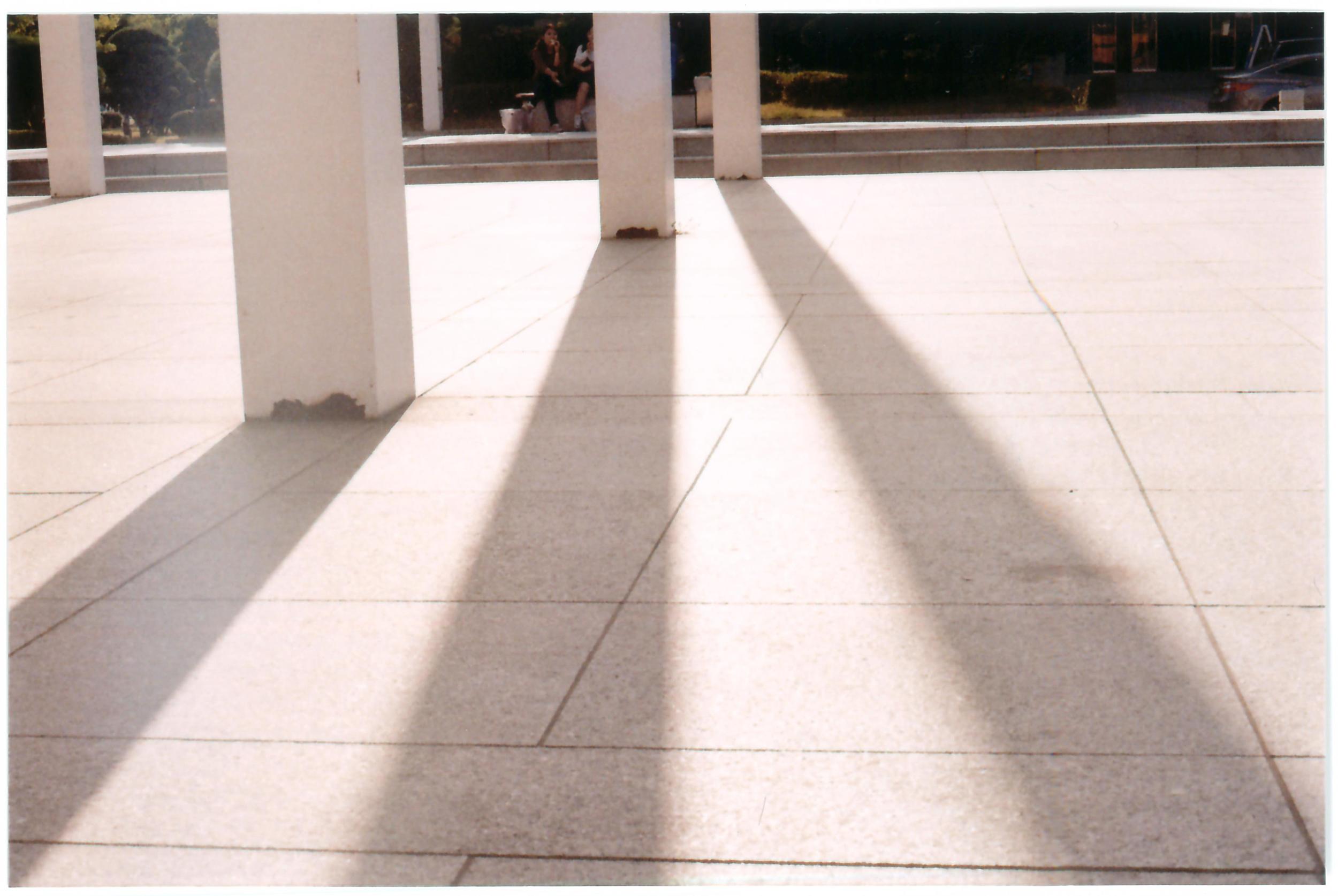 poleshadow.jpg