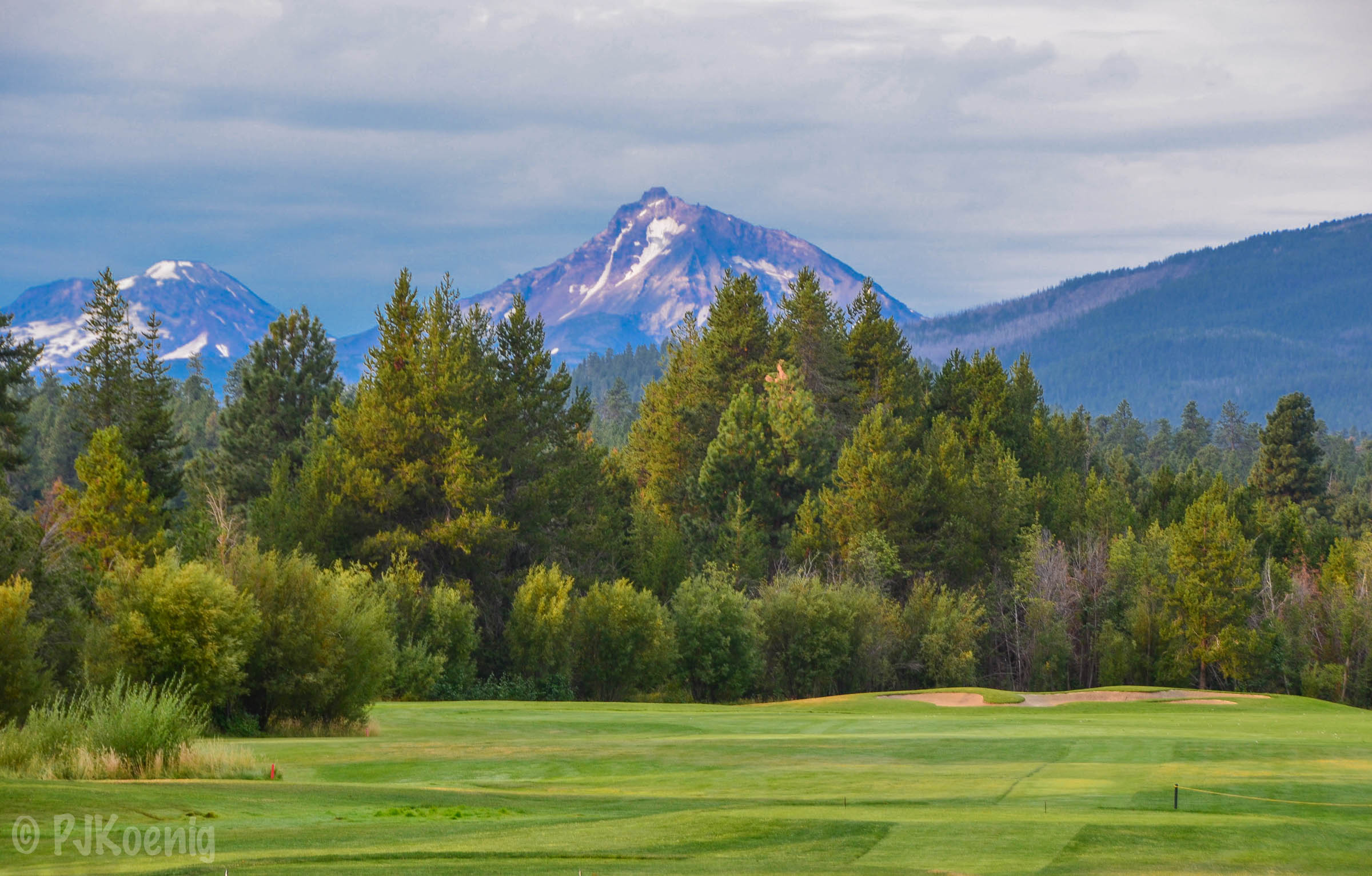 The view from the 10th tee at Black Butte Ranch