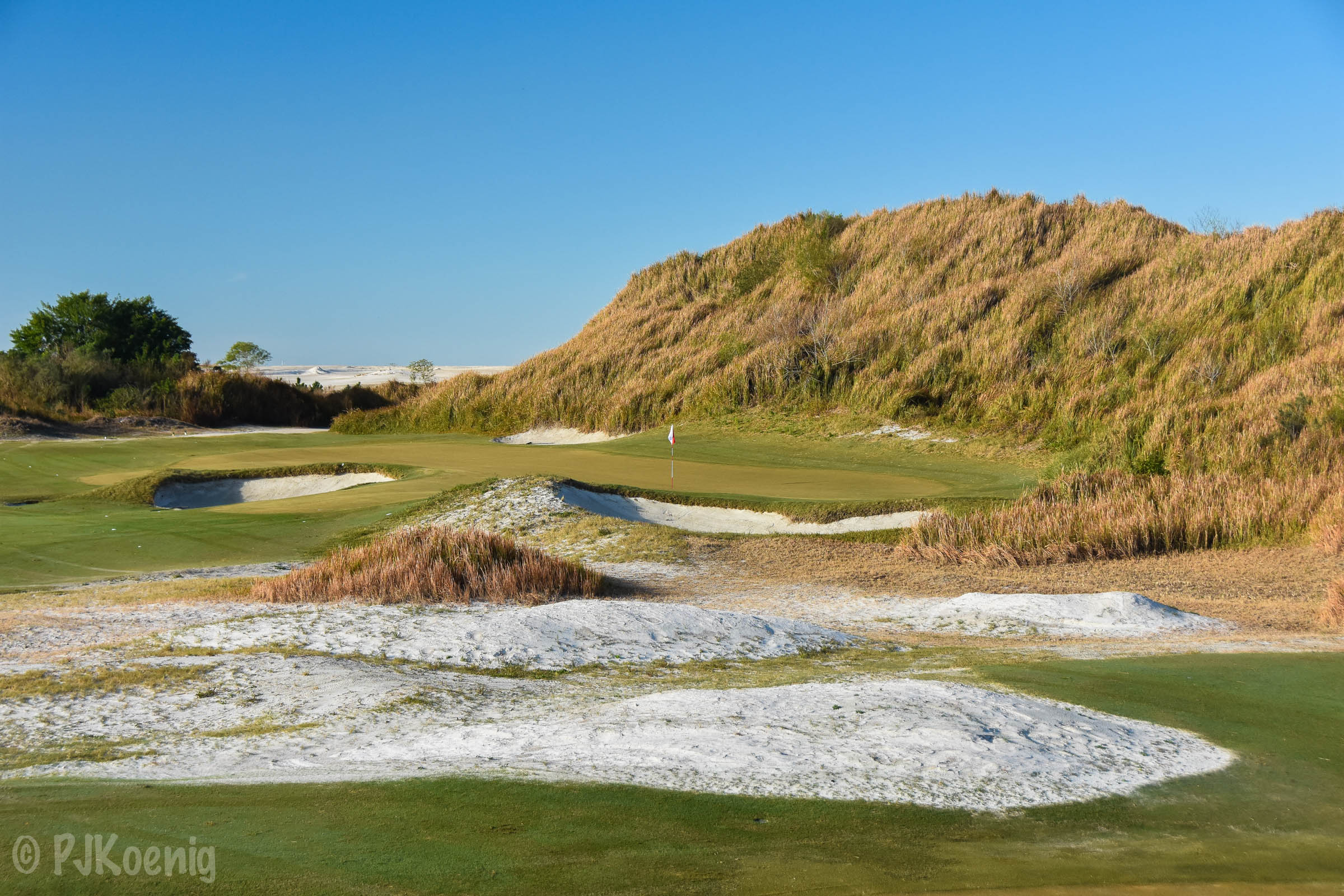 Fantastic use of the sandy terrain at Streamsong Red.