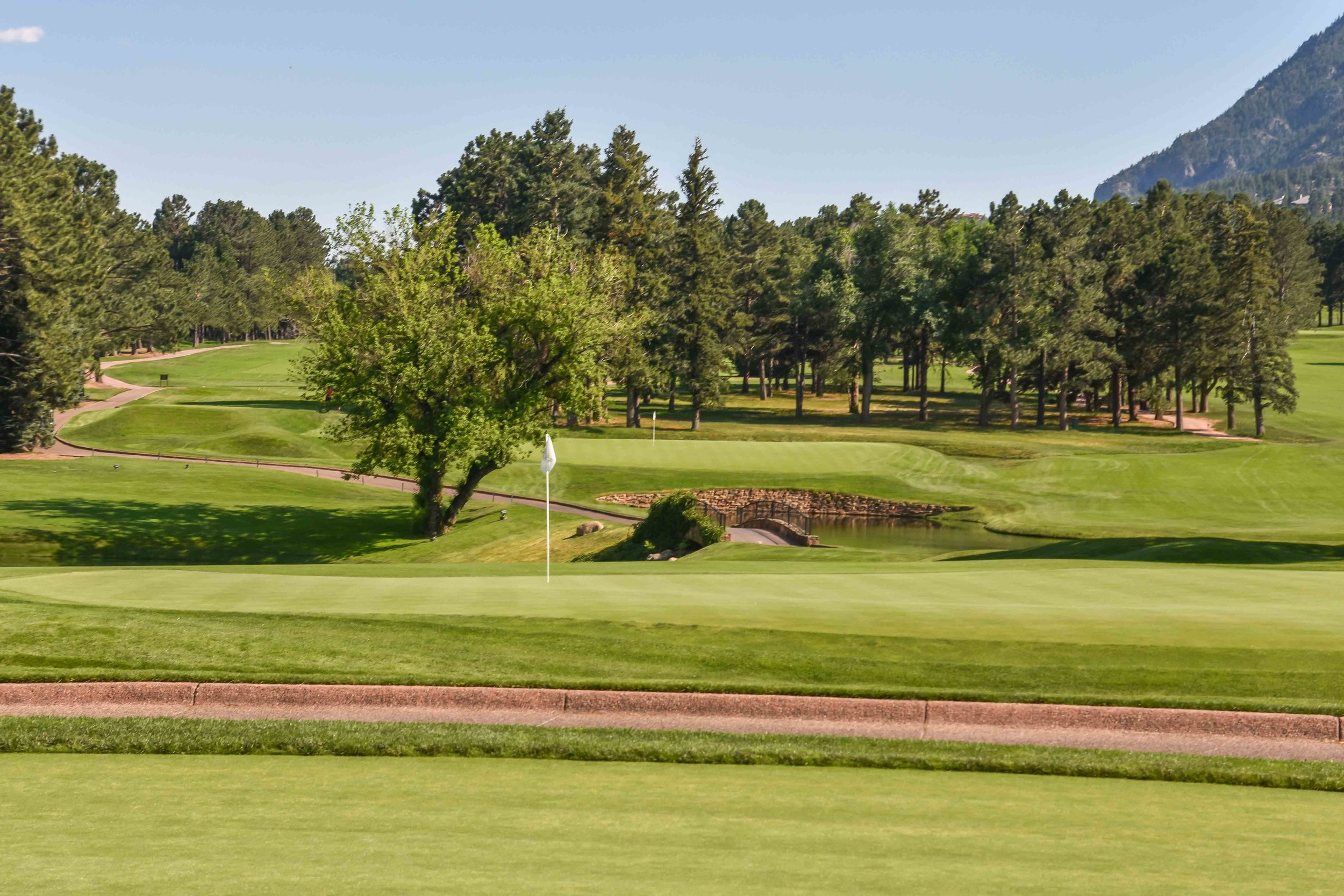 The Broadmoor1-89.jpg