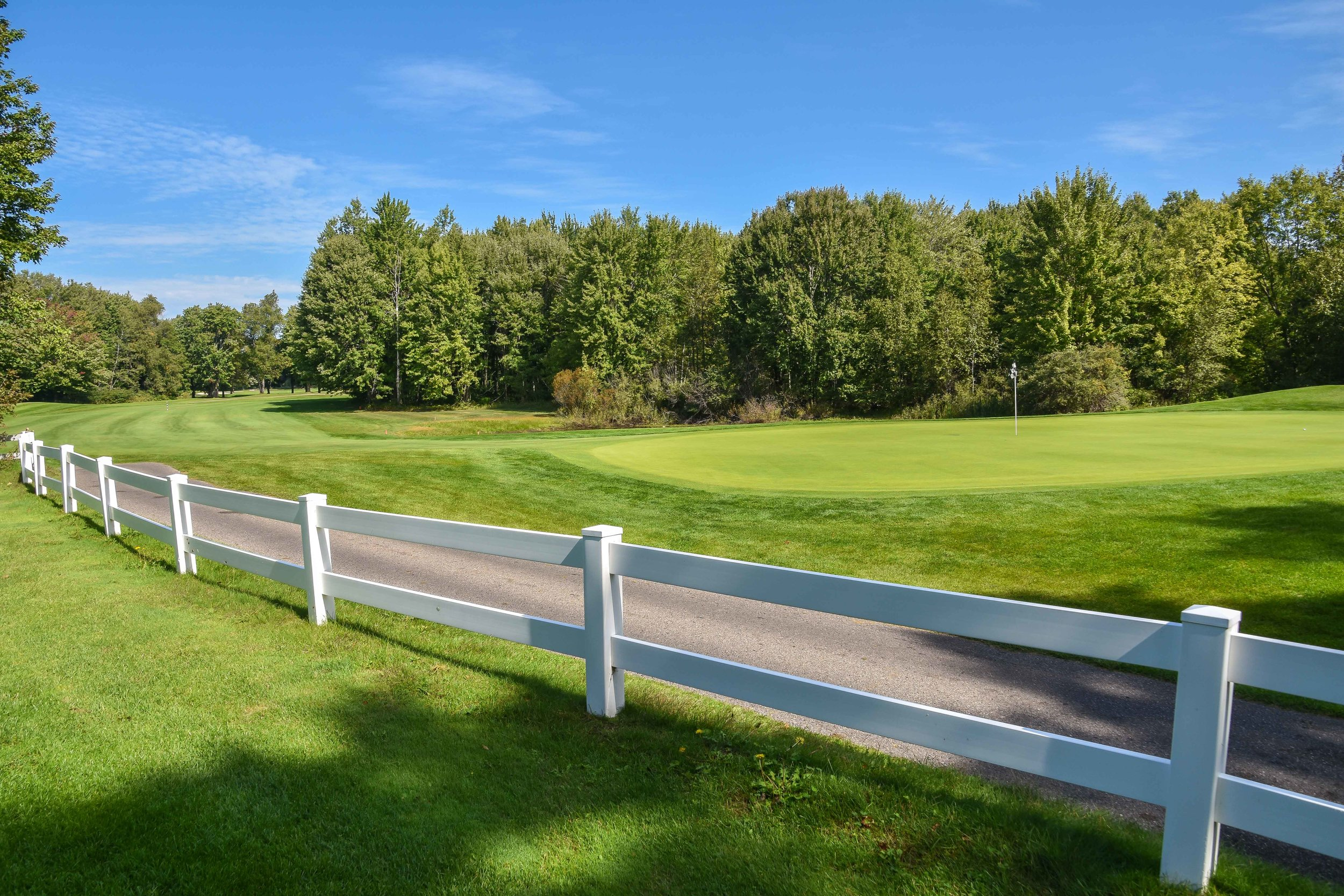 Block that cart path with a picket fence. Yeah!