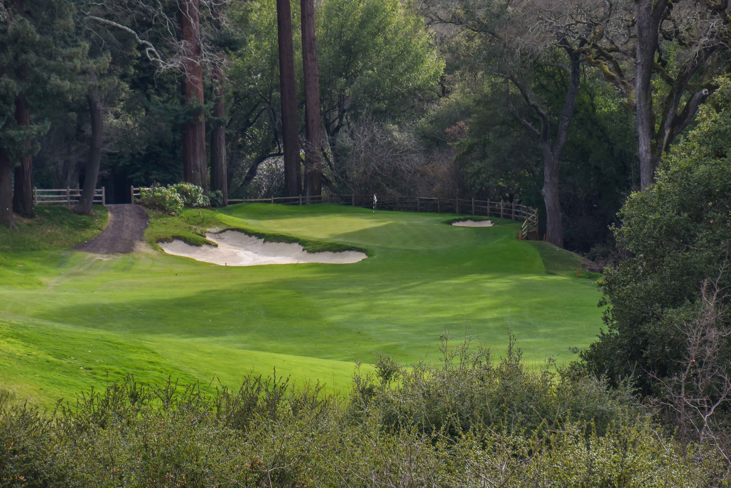 The 10th hole at Orinda Country Club has one of the coziest greens that the RGV Tour has encountered.