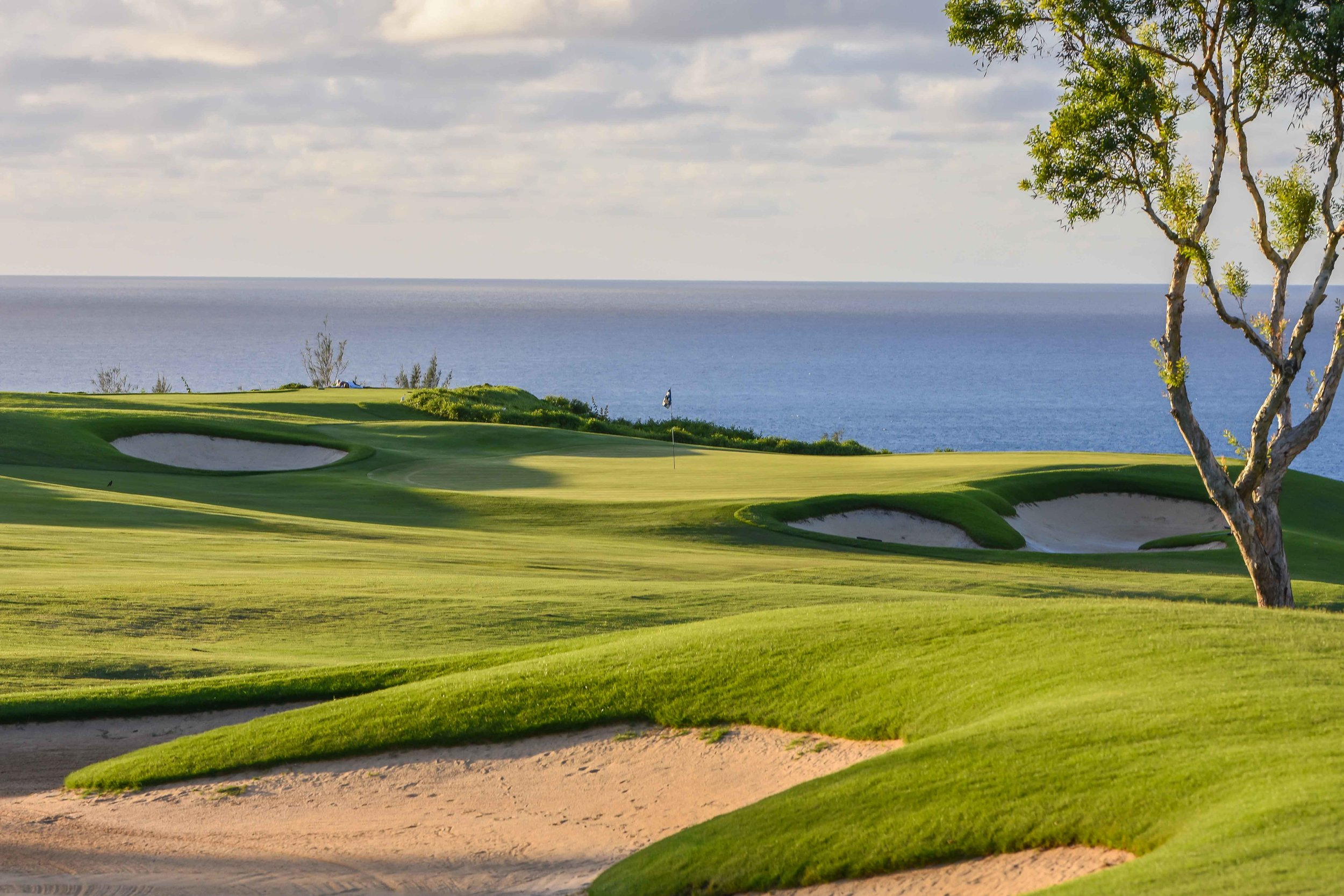 The 6th hole is your first view of the ocean at the Makai course.