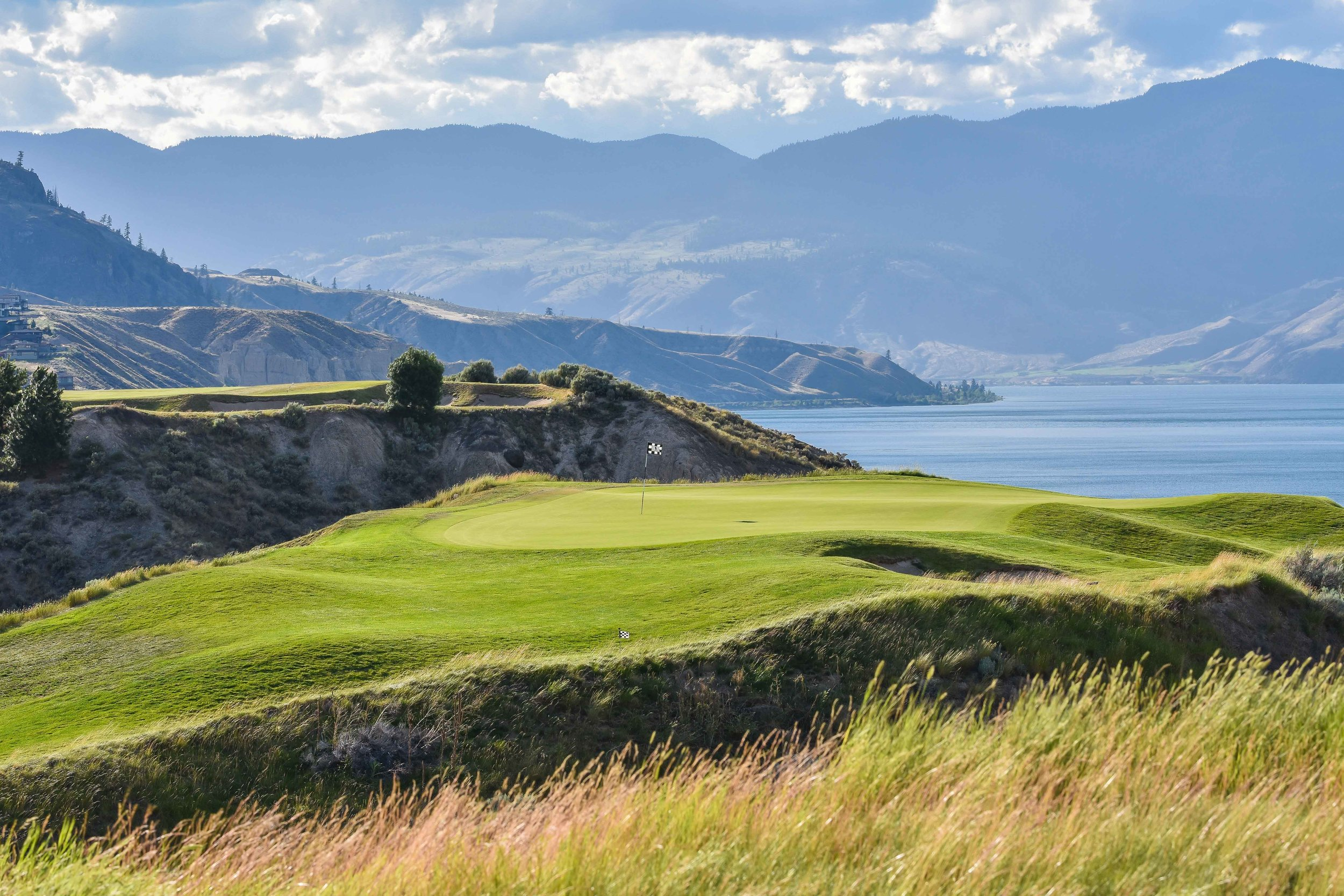 The 7th hole at Tobiano thrills and delights the golfer soul.