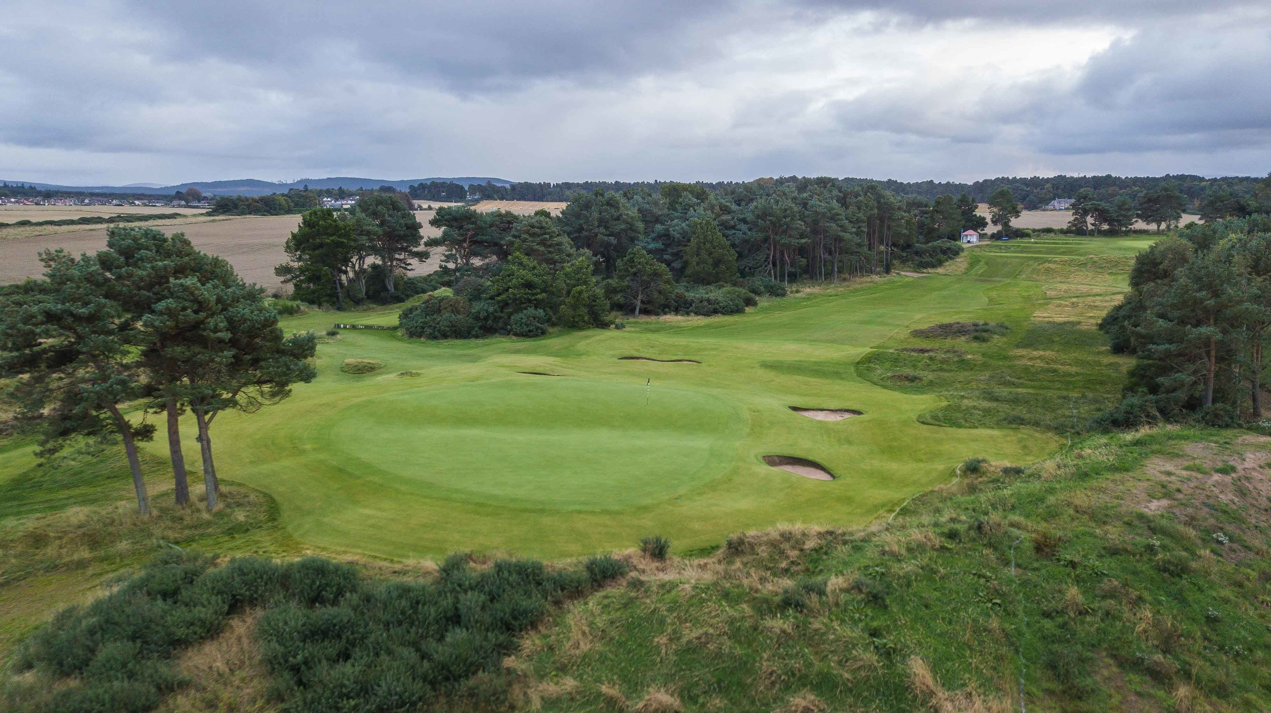 """The long 14th hole, """"kopje"""" plays downhill and difficult. Kopje is of South African origin and means small hill in a generally flat area."""