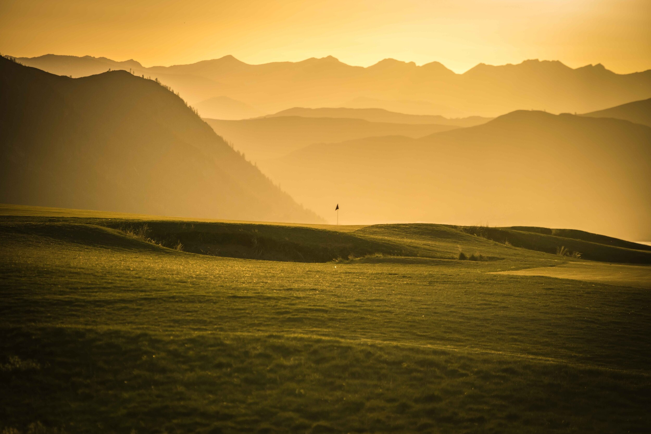 Sunset over the 8th hole at Gamble Sands