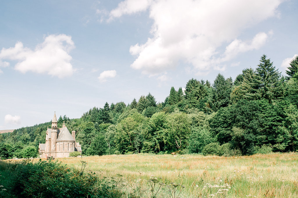 Lucy_Davenport_Photography_Robbins_Drumtochty_Castle-126.jpg