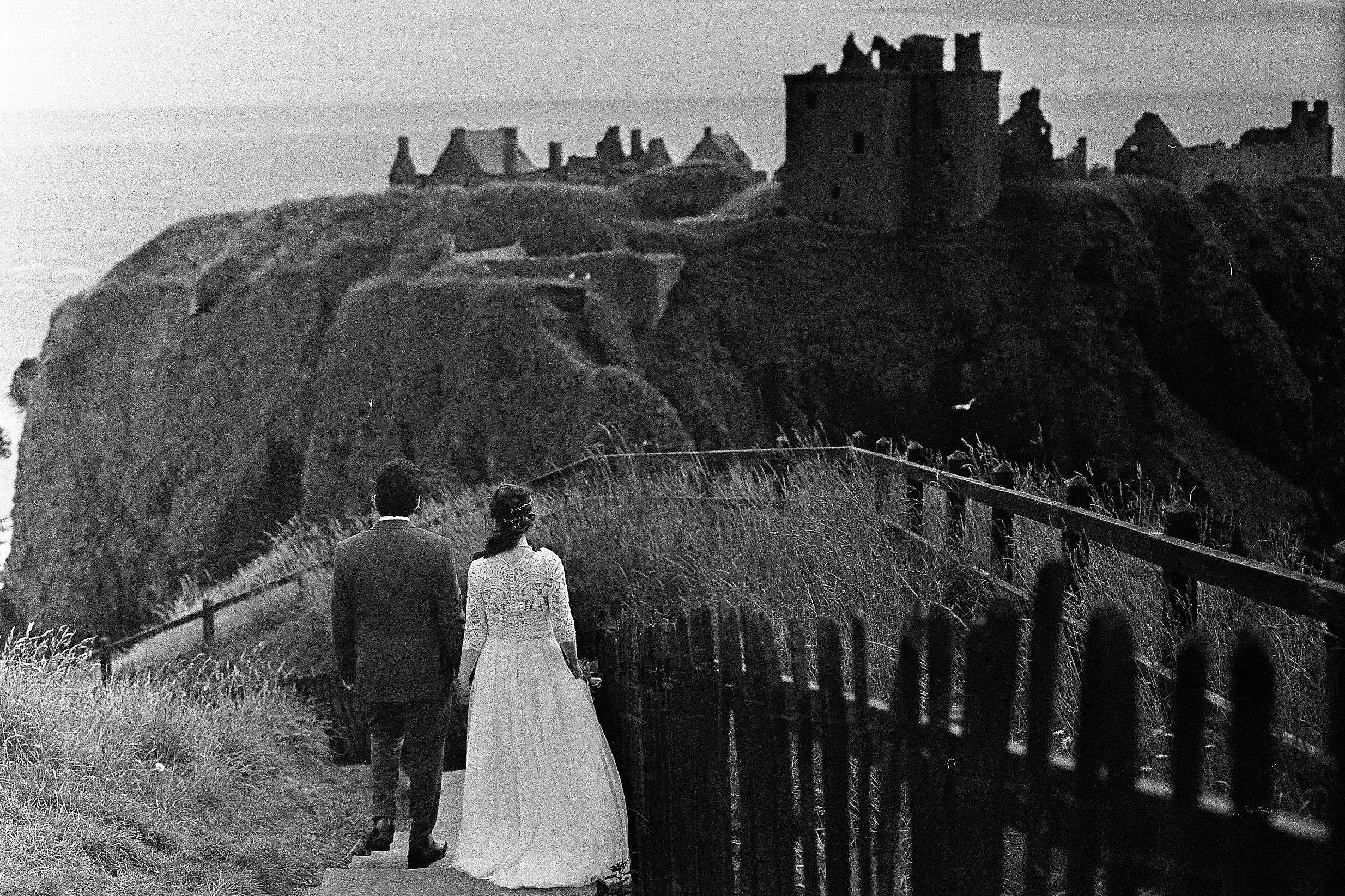 Dunnottar castle elopement