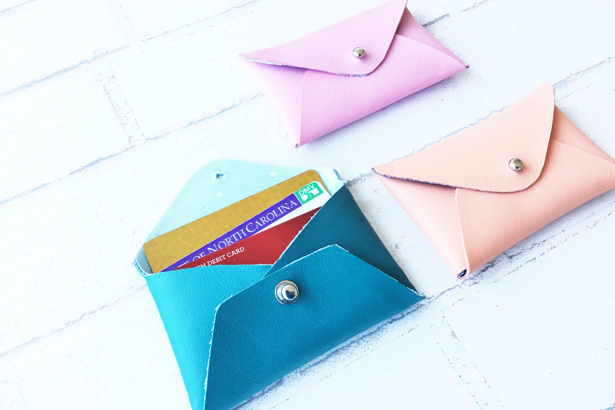 Mini Wallet 3 Close.jpg