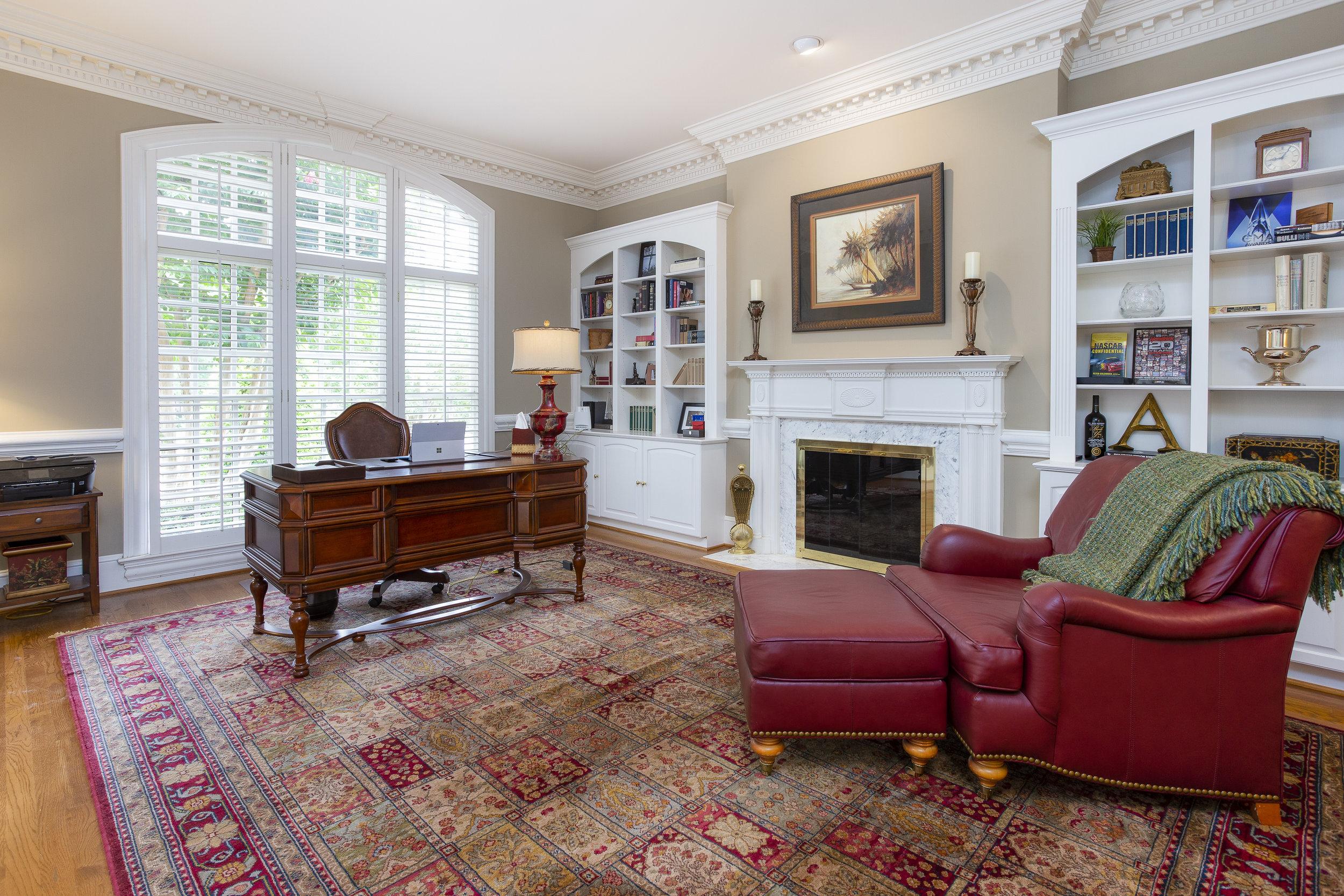 triad-real-estate-photography-drone-aerial-photographer-realtor-high-point-greensboro-kernersville-burlington03.jpg