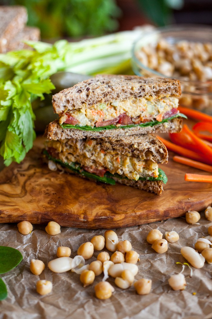 When given the choice of sandwich fillings when I was growing up,tuna salad was always one of my top choices. The Edgy Veg veganized version has no shortage of flavours, and you can make this recipe 2 ways!