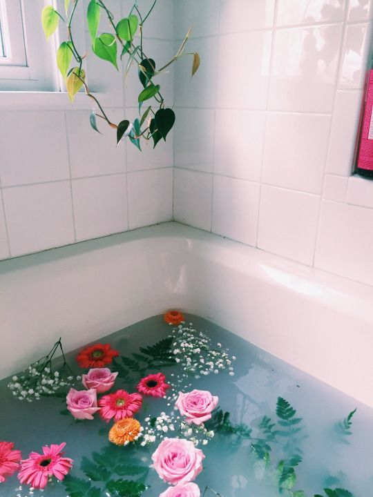 Adding essential oils to your bath are an excellent way to soak in the benefits of aromatherapy.  Image courtesy of Province Apothecary, source: Pinteres  t .