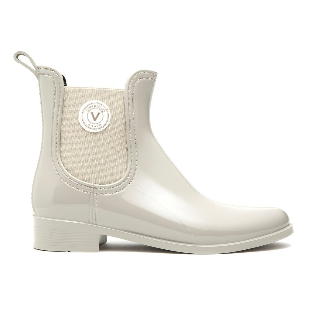 These stylish rain boots are perfect for when the snow starts to melt into slush and you can wear them right into spring time. The new women's Chelsea boot from Opificio V is made from Vinyl - PVC Free: No Phthalates, carefully crafted in Italy meeting all REACH regulations (a regulation of the European Union, adopted to improve the protection of human health and the environment from the risks that can be posed by chemicals).