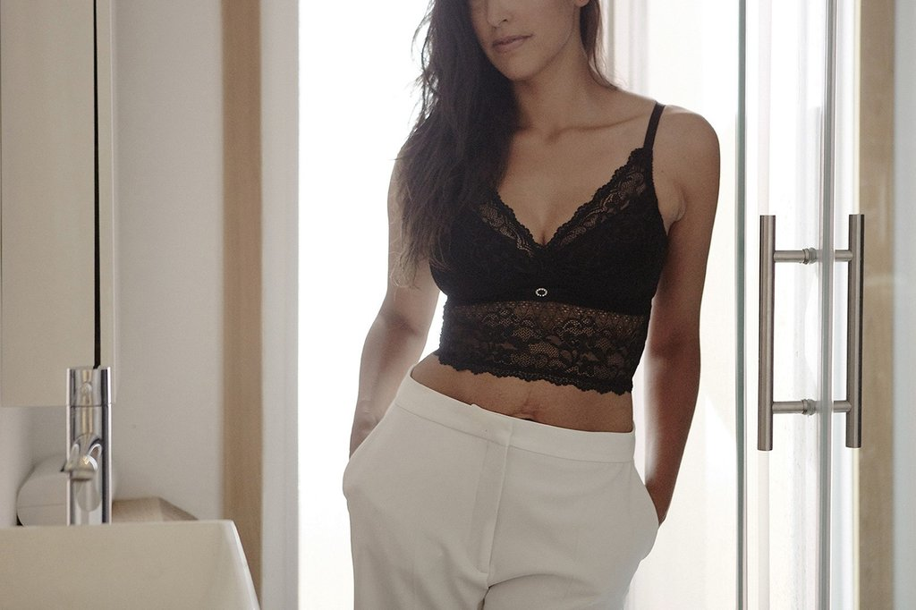 This luxuriously supportive bralette by Mayana-Geneviere®, a Toronto-based high luxe, intimate apparel line, works beautifully as a stand alone piece under a blazer or as a layering item. This bra supports a wide range of sizes  and undetectable nursing capabilities. Mayana Genevière®is proud to be the official sponsor of Maternal Goddess®, a non-profit organization of industry experts who are dedicated to providing education and awareness towards the changes and challenges women experience postpartum. As part of the philosophy to enhance women's postnatal recovery experience, a portion of every purchase from Mayana Genevière®is contributed to advancing the Maternal Goddess®Mission.