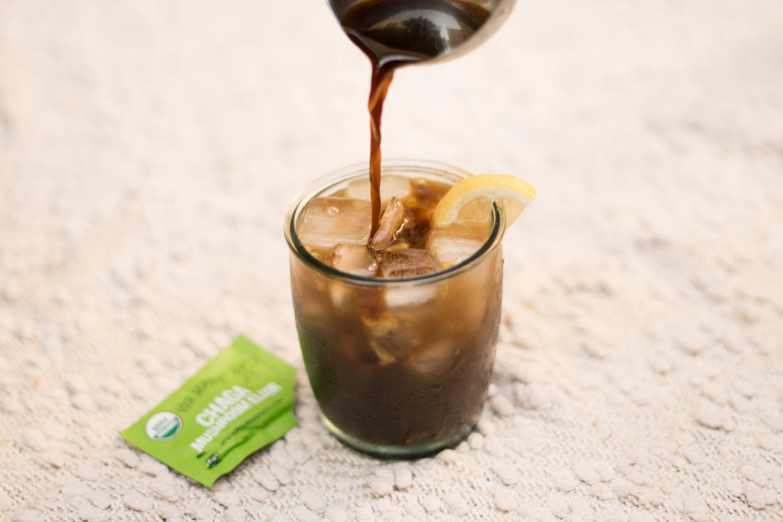 I shared Four Sigmatic's easy-to-make recipe for a refreshing  Chaga Ice Tea  on my blog -  check it out  here  !