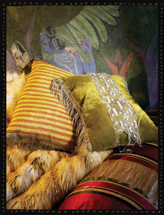 Antiqued cushions