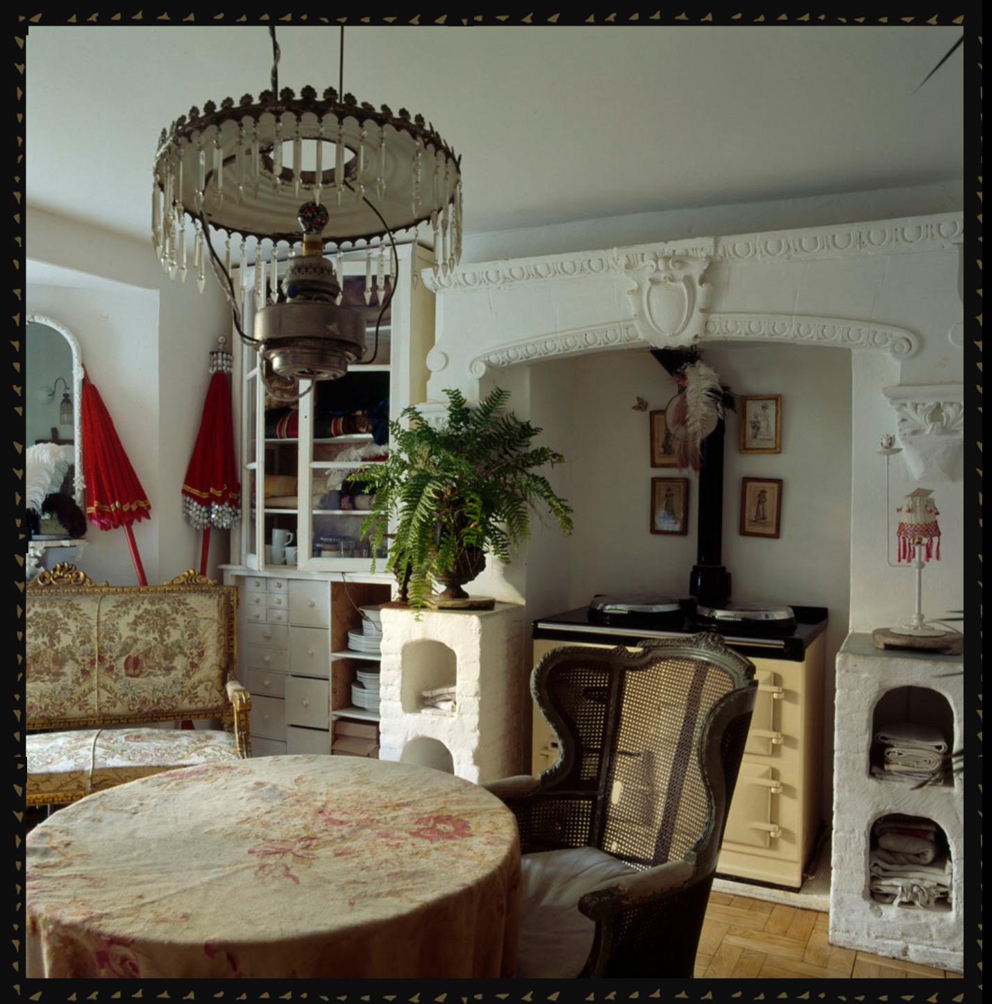 salons_chair.jpg