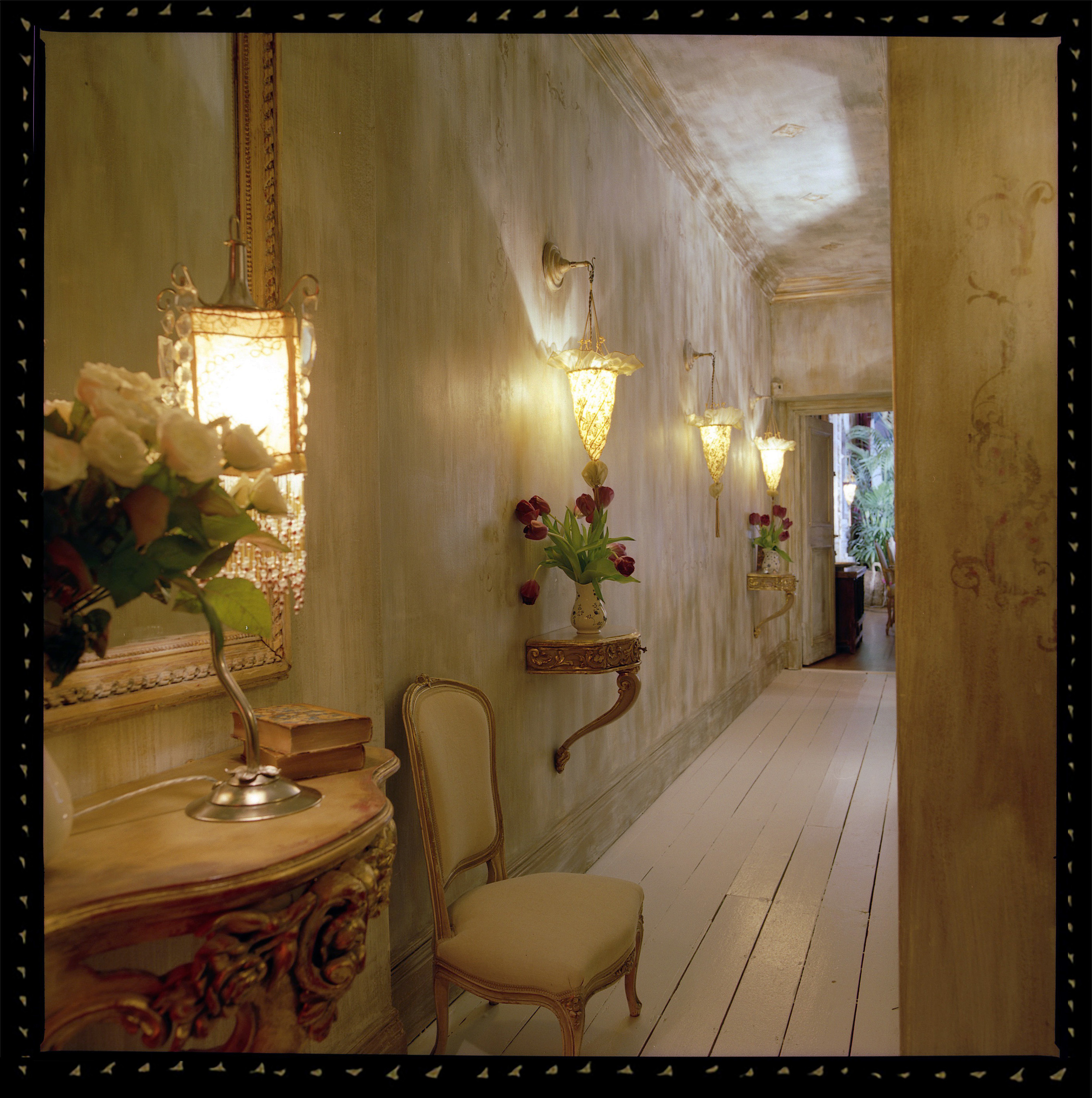 salon aef_the_hall1.jpg