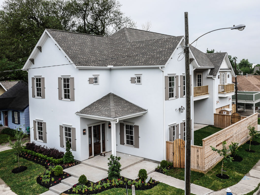 2415 Cortlandt is situated on a large corner lot with room for a pool on one of the Heights' most prestigious streets.