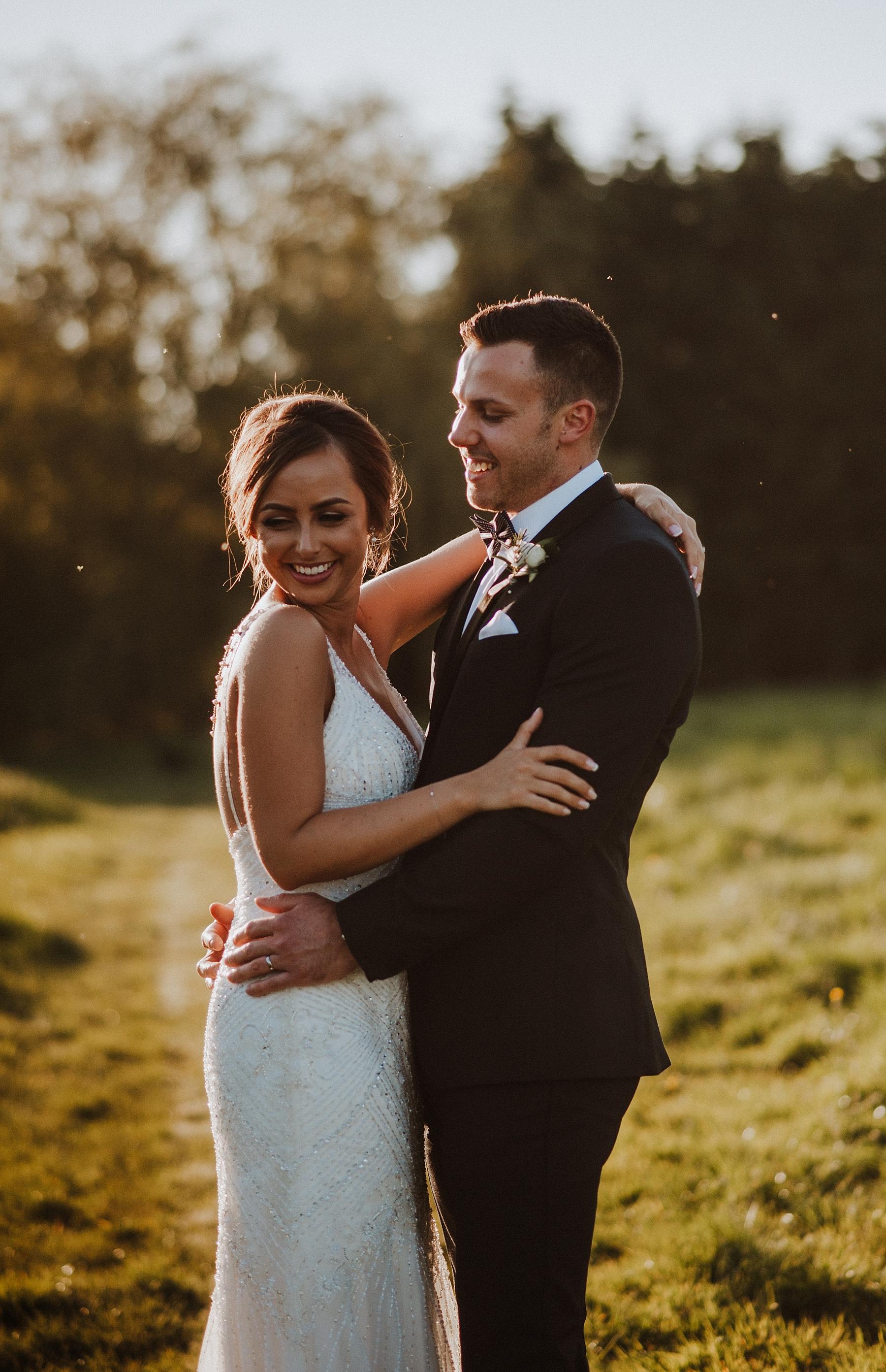 wedding photos at elvey farm kent