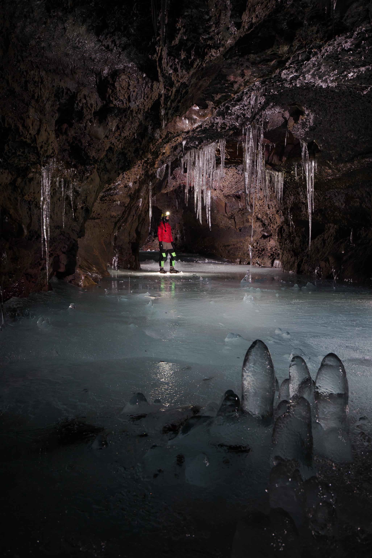 05_Deep_Ice_cave-9901.jpg