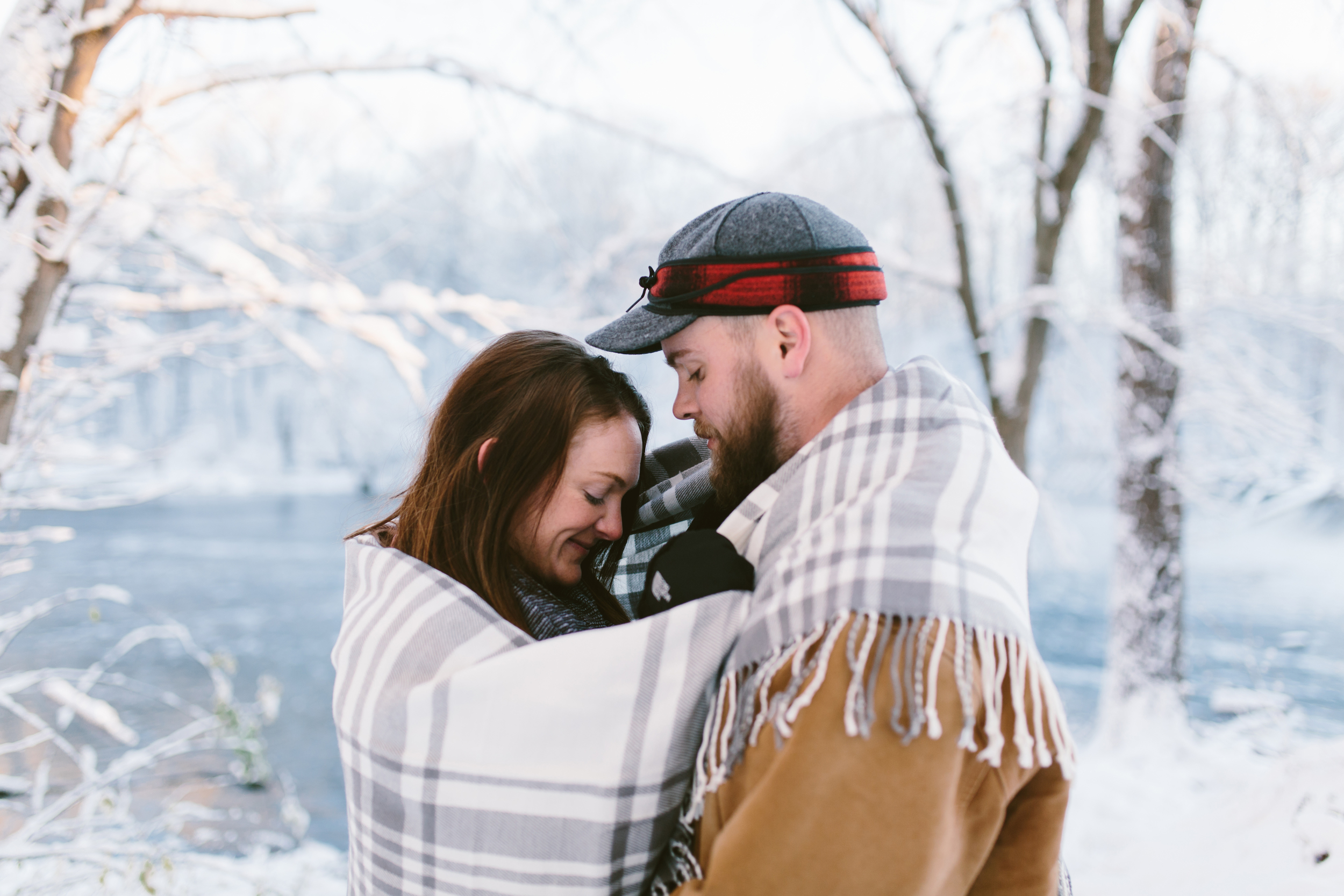 GRAND LEDGE, MI - ENGAGEMENT SESSION