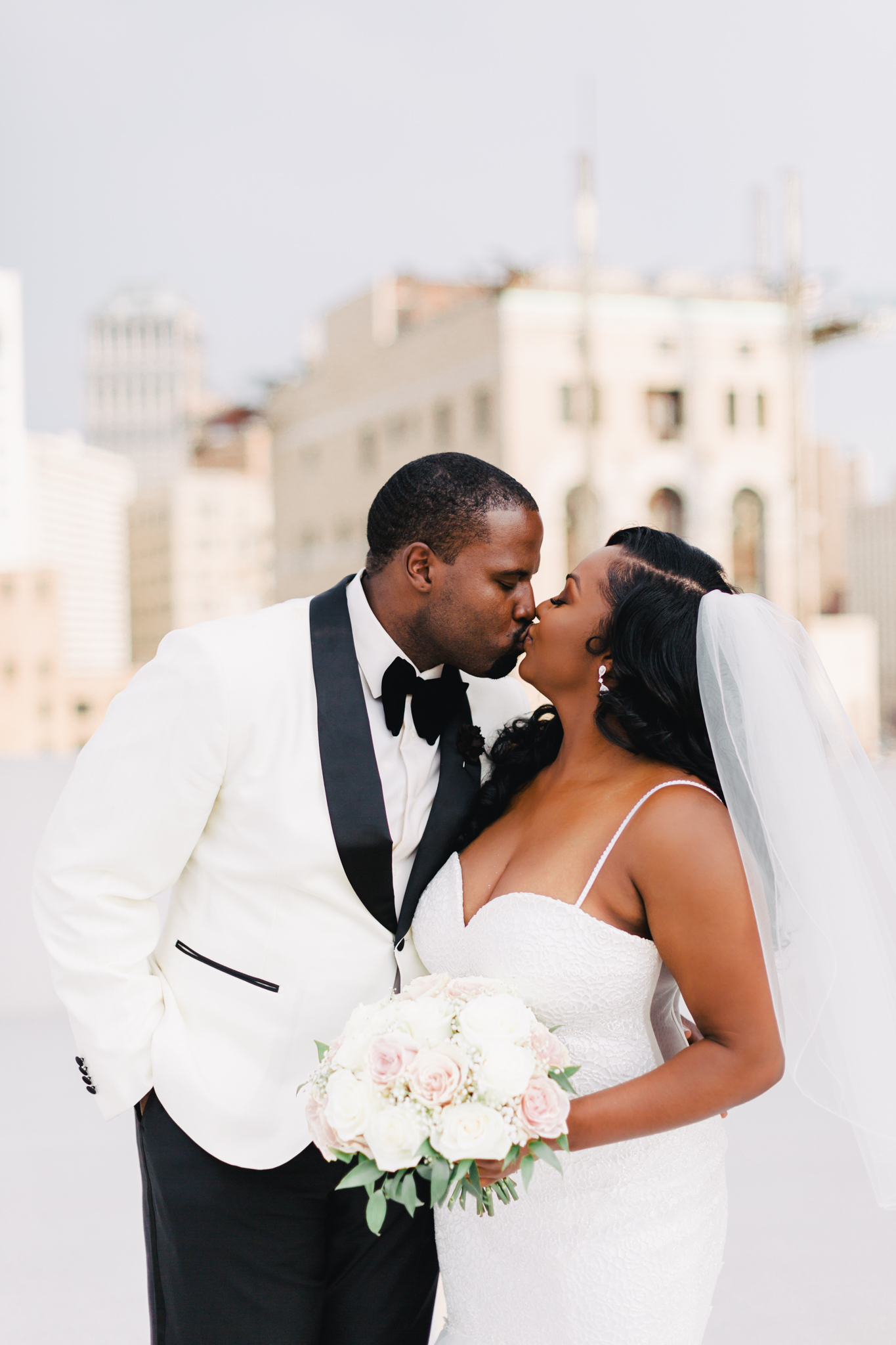 taylormarieparker_michiganweddingphotographer_colonyclubdetroit_-222.jpg