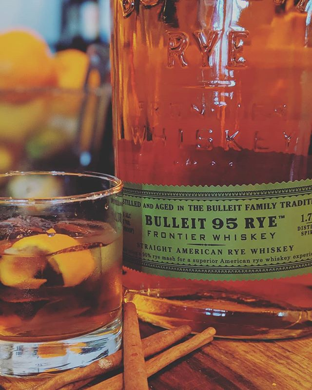 Keep it classic with a Catcher in the Rye. Our version of a old fashioned. Bringing whiskey, cinnamon, and Orange's together in a magnificent combo. Featuring Bulliet Rye • #oldfashioned #drinks #bullietrye #classiccocktail #craftcocktail #burbank #tolucalake #studiocity #losangeles