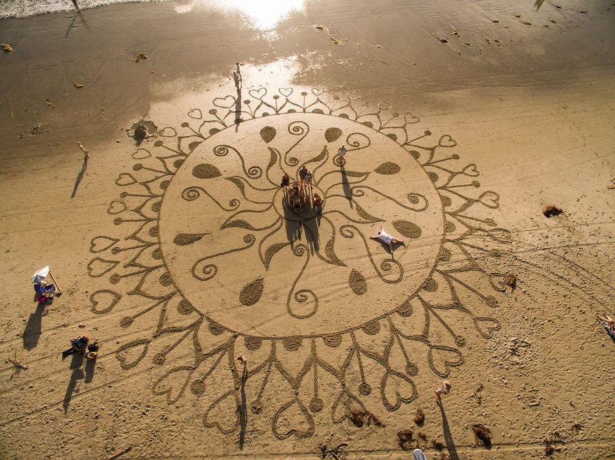 sand-paintings-earthscape-andres-amador-6.jpg