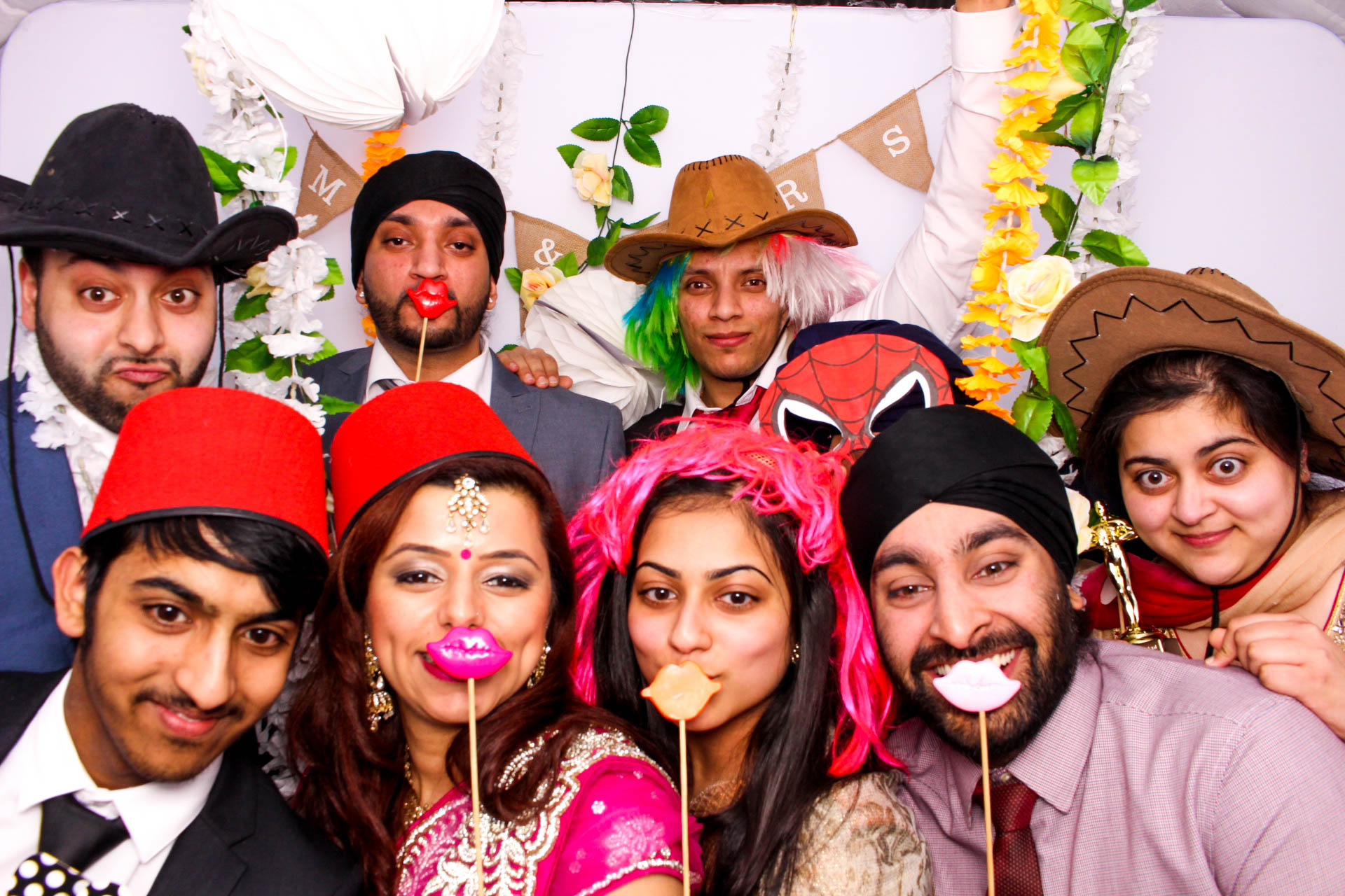 www.fotoauto.co photo booth hire-100.jpg