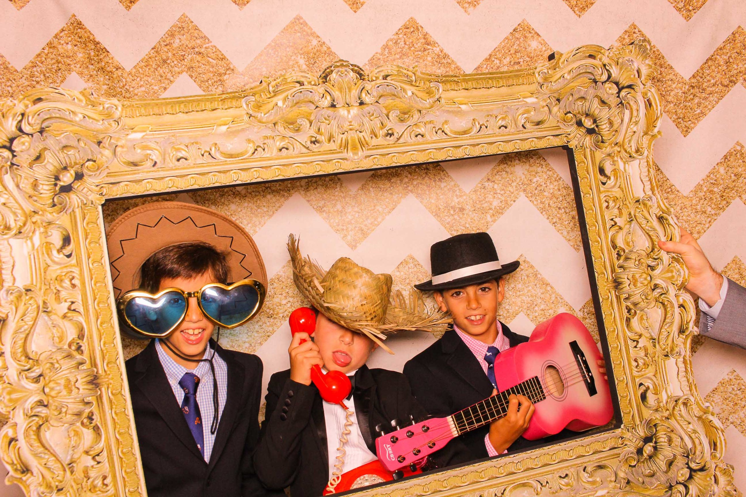 www.fotoauto.co photo booth hire rental-95.jpg