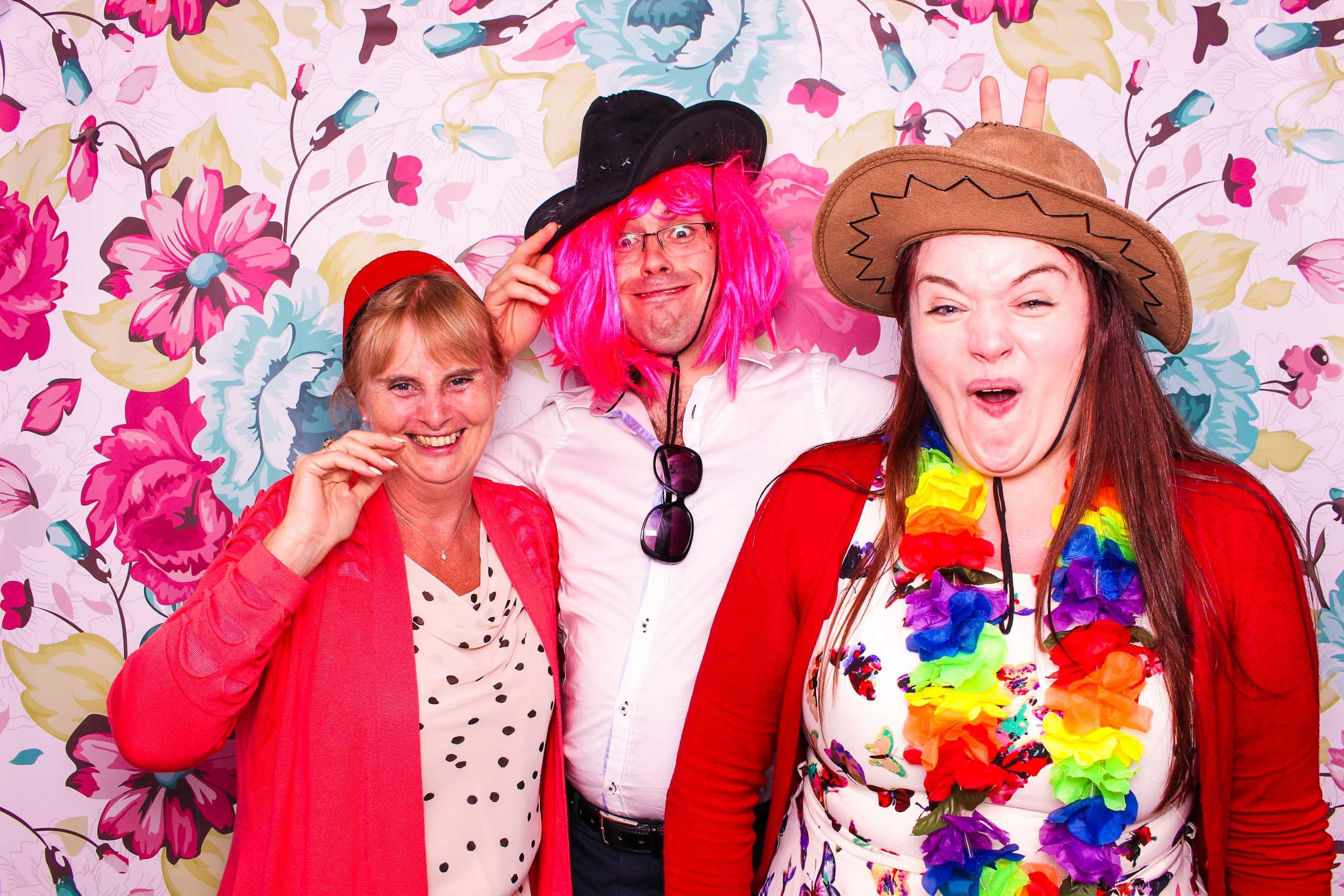 www.fotoauto.co photo booth hire-24.jpg