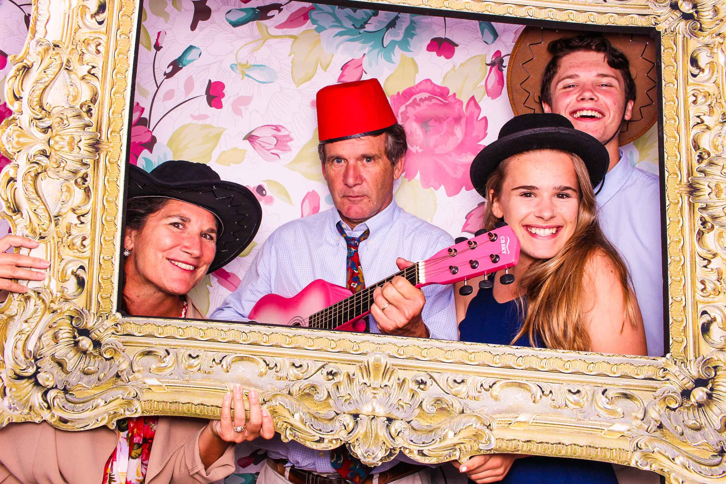 www.fotoauto.co photo booth hire-37.jpg