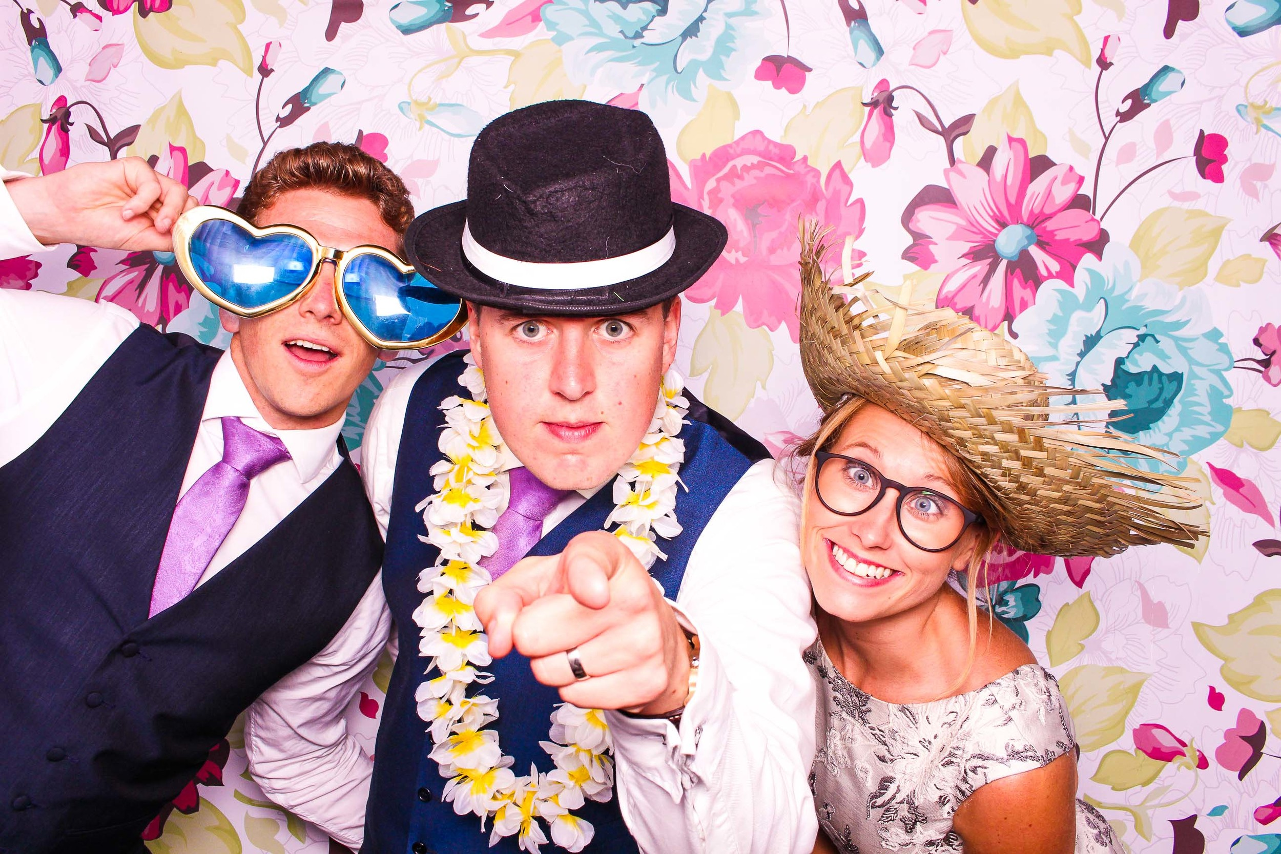 www.fotoauto.co photo booth hire-98.jpg