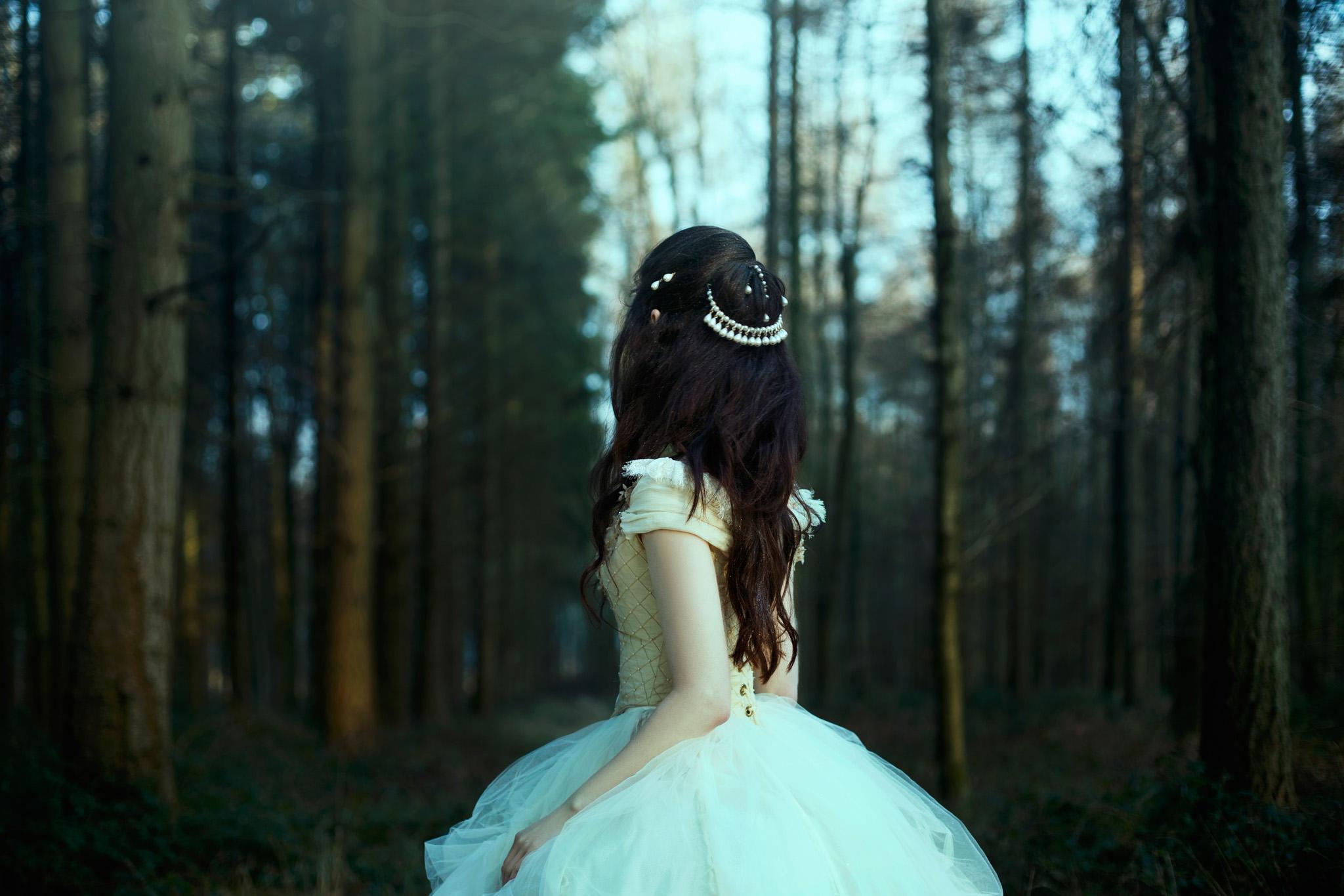 bella-kotak-fairytale-fairytales-labyrinth-david-bowie-sarah-beauty-beast-magic-magical-faerie-magazine-editorial-firefly-path-twilight-woods-lantern-ethereal-fairy-disney-ian-hencher-1s.jpg
