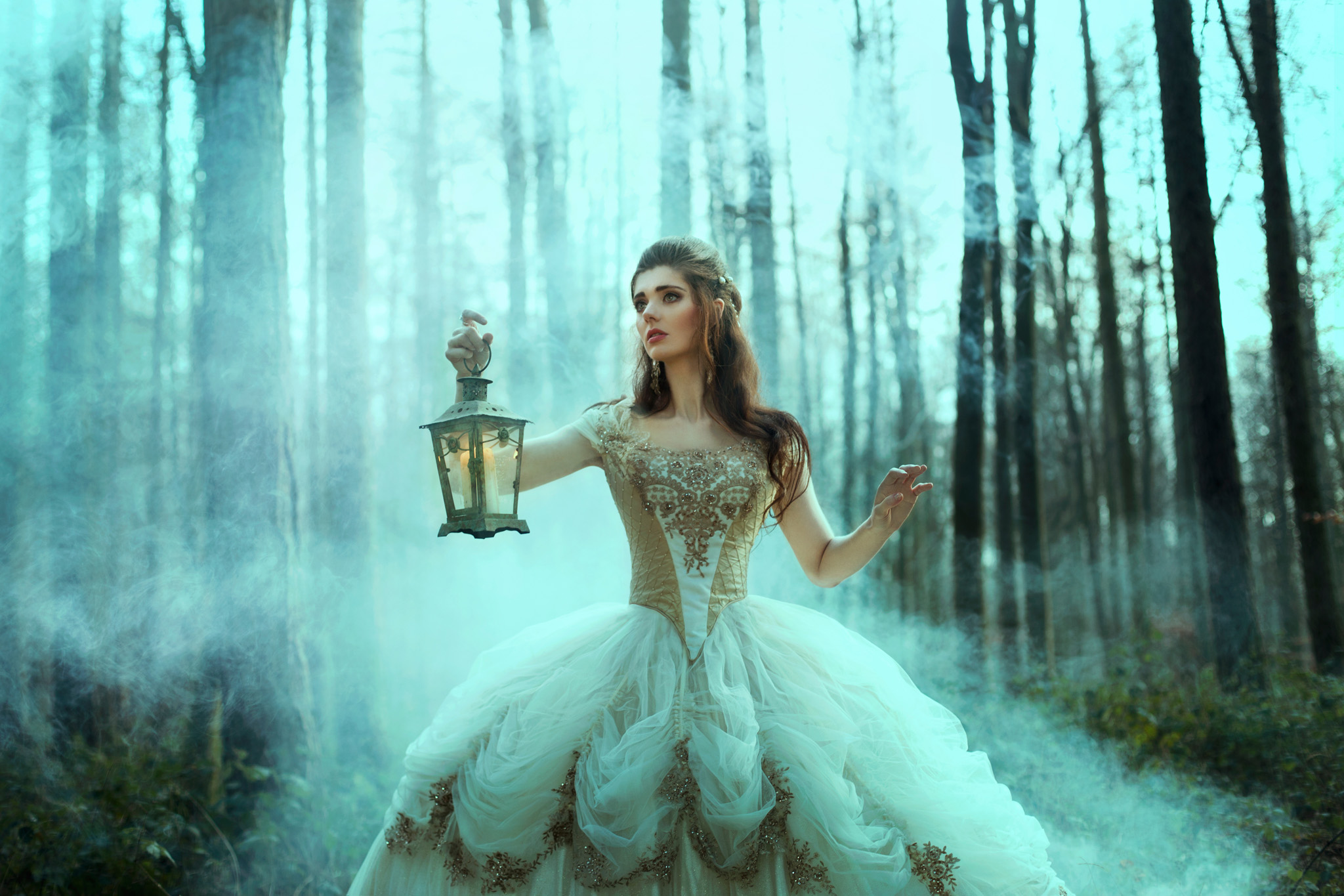 bella-kotak-fairytale-fairytales-labyrinth-david-bowie-sarah-beauty-beast-magic-magical-faerie-magazine-editorial-firefly-path-twilight-woods-lantern-ethereal-fairy-disney-ian-hencher-3s.jpg