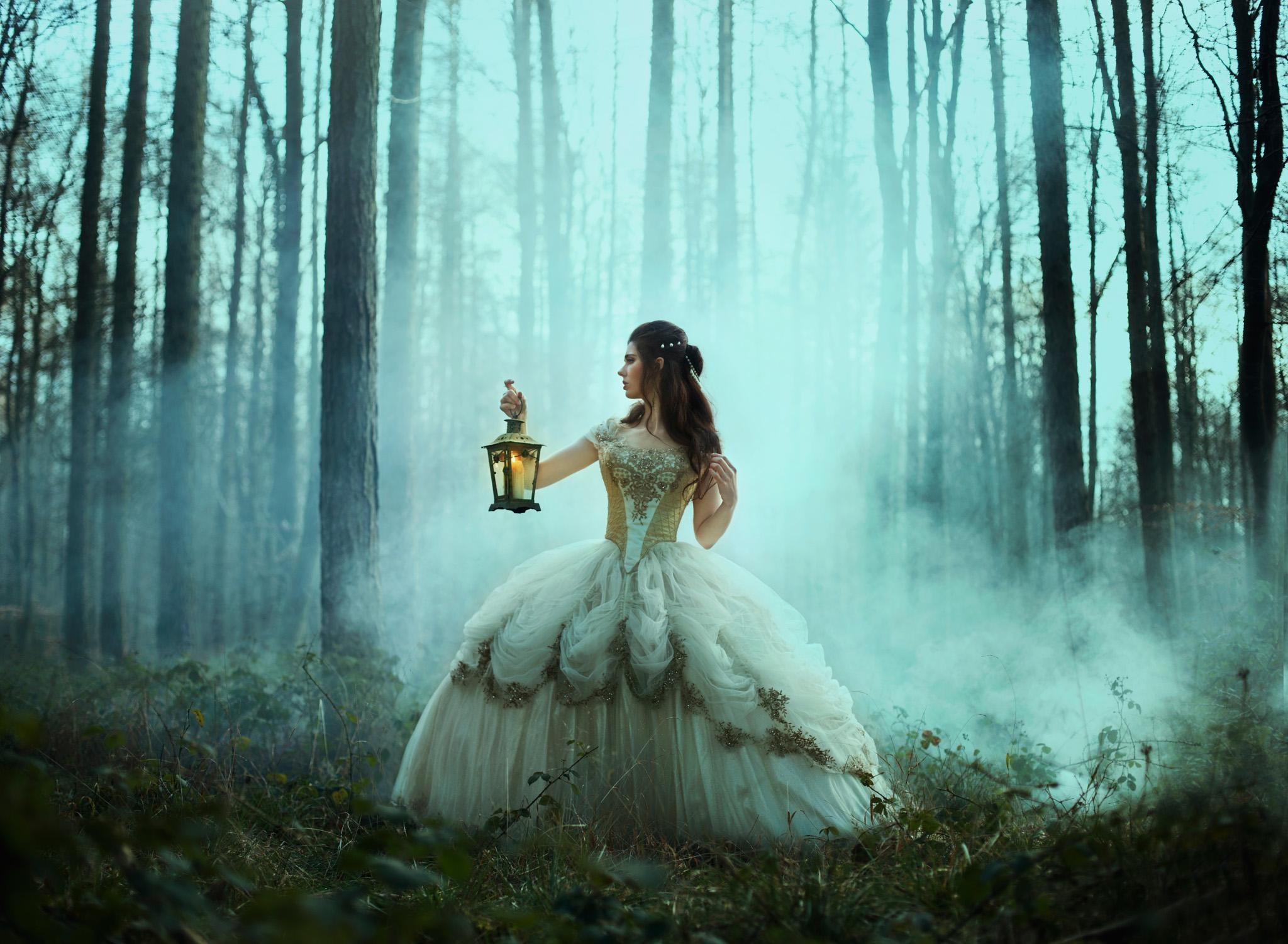 bella-kotak-fairytale-fairytales-labyrinth-david-bowie-sarah-beauty-beast-magic-magical-faerie-magazine-editorial-firefly-path-twilight-woods-lantern-ethereal-fairy-disney-ian-hencher-2s.jpg