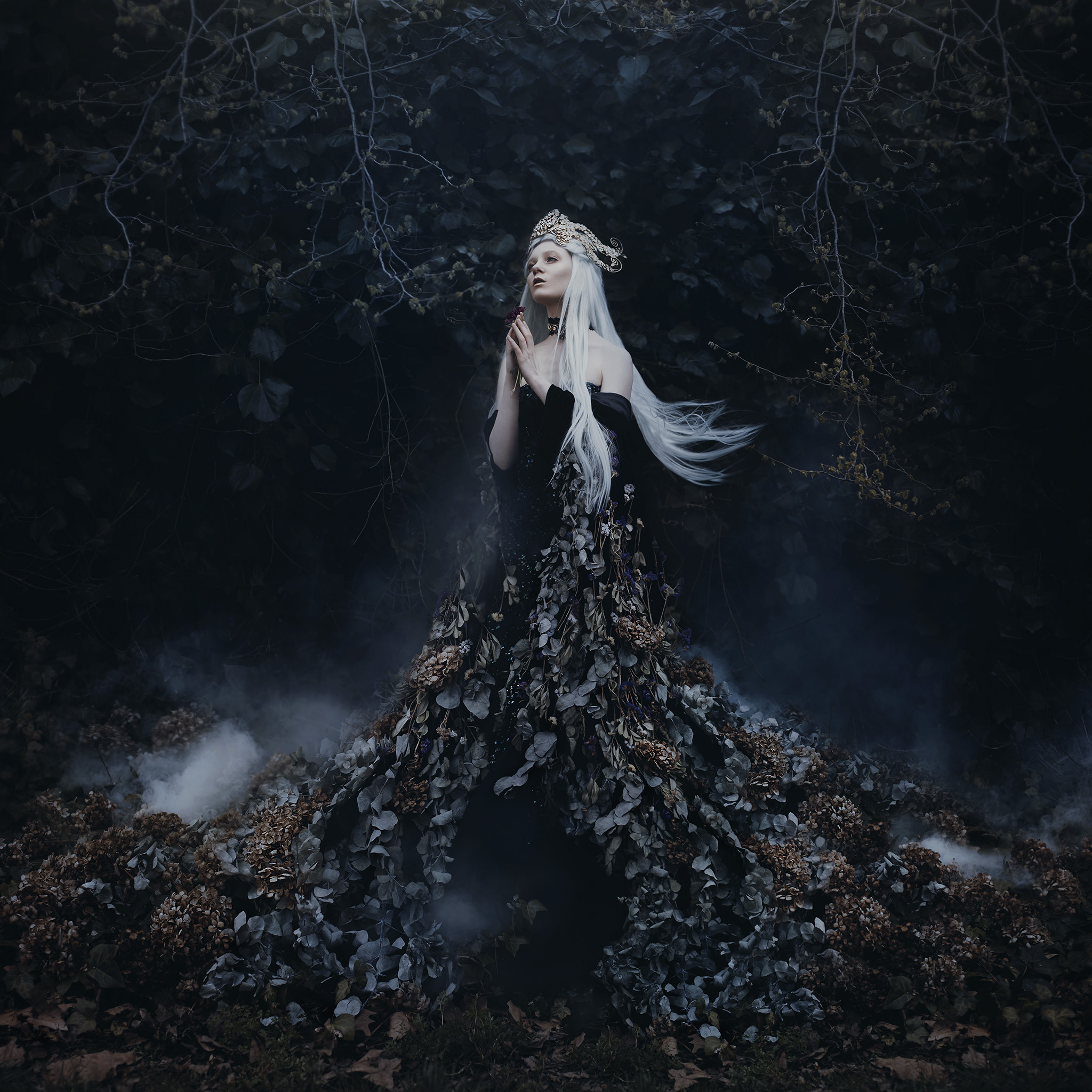 New Queen Rising... | featuring Lulu Lockhart, crown by Miss Albion, makeup by Lydia Pankhurst