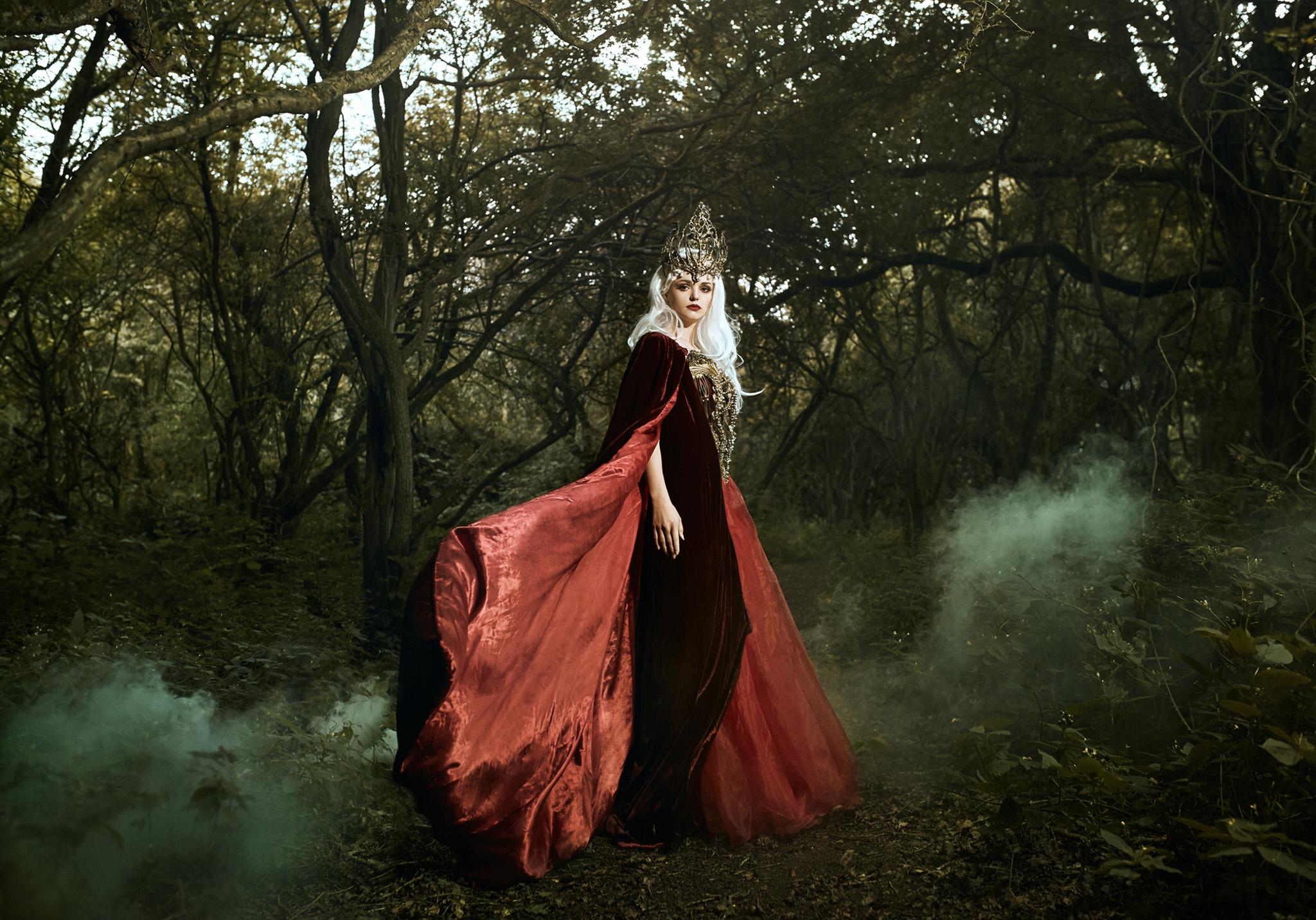Bella_Kotak_Profoto_Canon_Fairytale_Fantasy_Photography_Portrait_Portraiture_Flowers_FLoral_Queen_Princess_Disney_Fashion_Editorial_A1_Lighting_Pink_Hair_Magical_Ethereal_Solstice_Retouch_6.jpg
