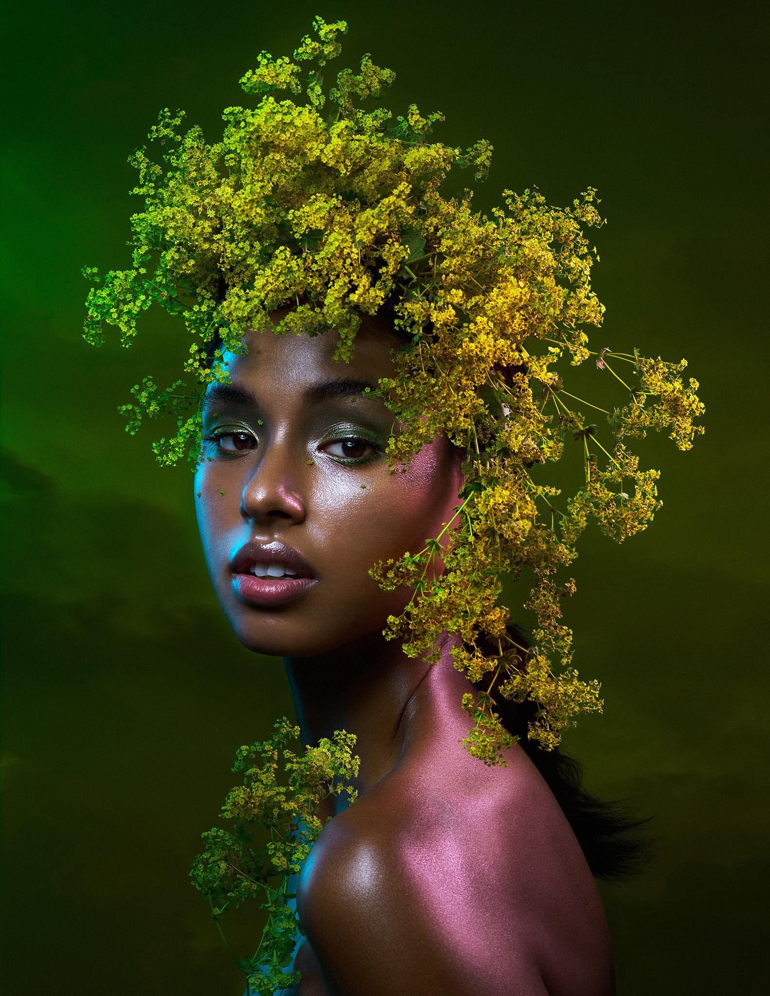 bella-kotak-phase-one-phaseone-profoto-lucysmagazine-profoto-solstice-retouch-beauty-editorial-fashion-mac-cosmetics-glitter-eyes-flower-6