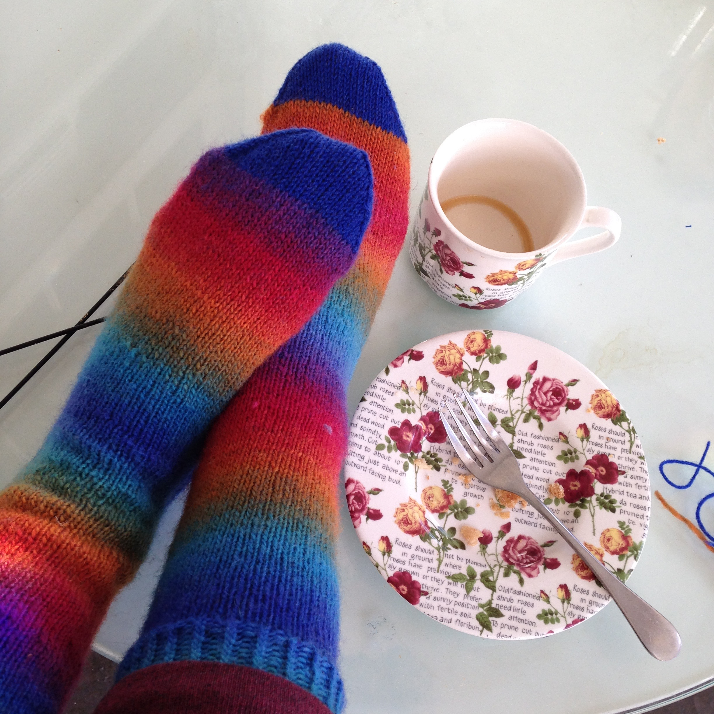 By the time I'd drained my coffee, the toe was done and I had a new pair of socks.