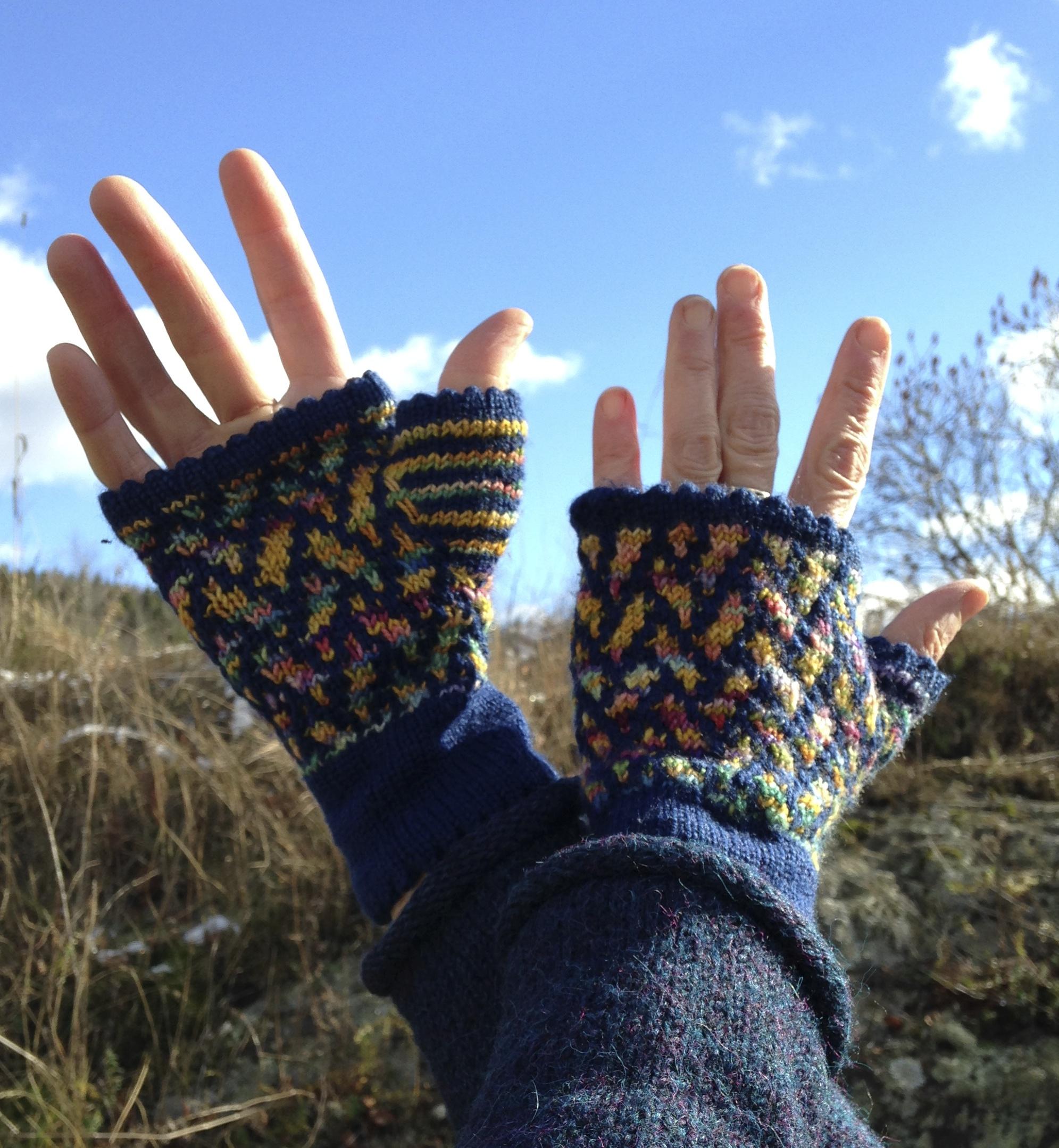 Slip Stitch Mosaic Fingerless Mitts,   free pattern pdf download