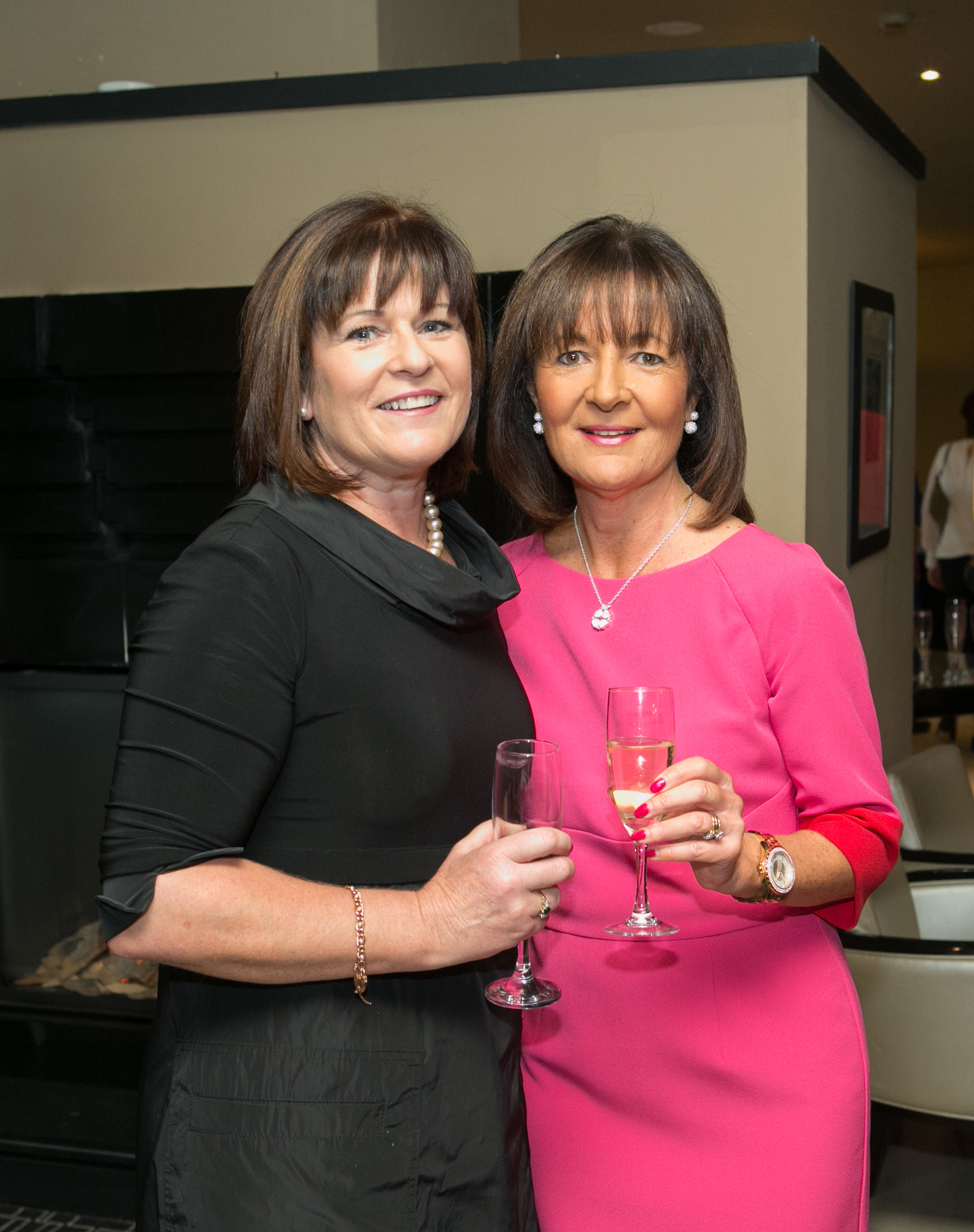 Gina McAuliffe and Dolores Keane, Blackrock at the Annual Aer Lingus Autumn Lunch in aid of Cork ARC Cancer Support House.