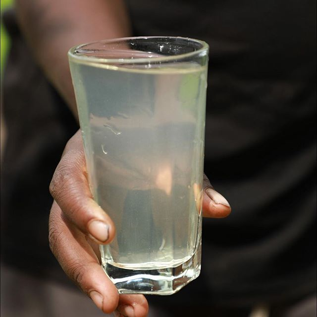 What does #earthmonthca do? Swipe to see the direct impact of our fundraising with @wateraidcanada.  The first glass is filled with the water from Justine's village of Ambodiranonambilona. The second glass is filled with water in Amberomena, a village that completed its clean water project last year, as a direct result of @avedacanada Earth Month. This year, we will make clean water a reality for more communities in #Madagascar. #showyoucare #avedaearthmonth