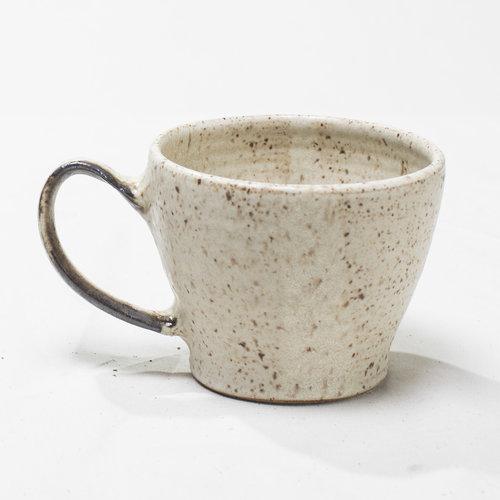 luna-collection-gina-desantis-ceramics-mug.jpg