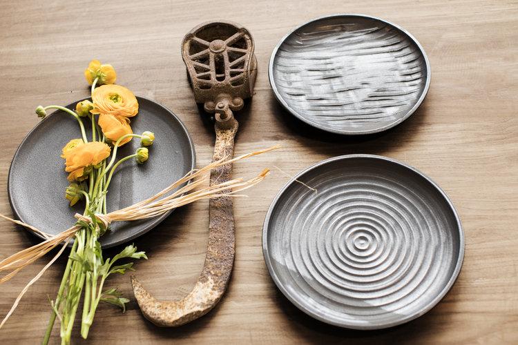 basalt-collection-gina-desantis-ceramics-black-plates.jpg