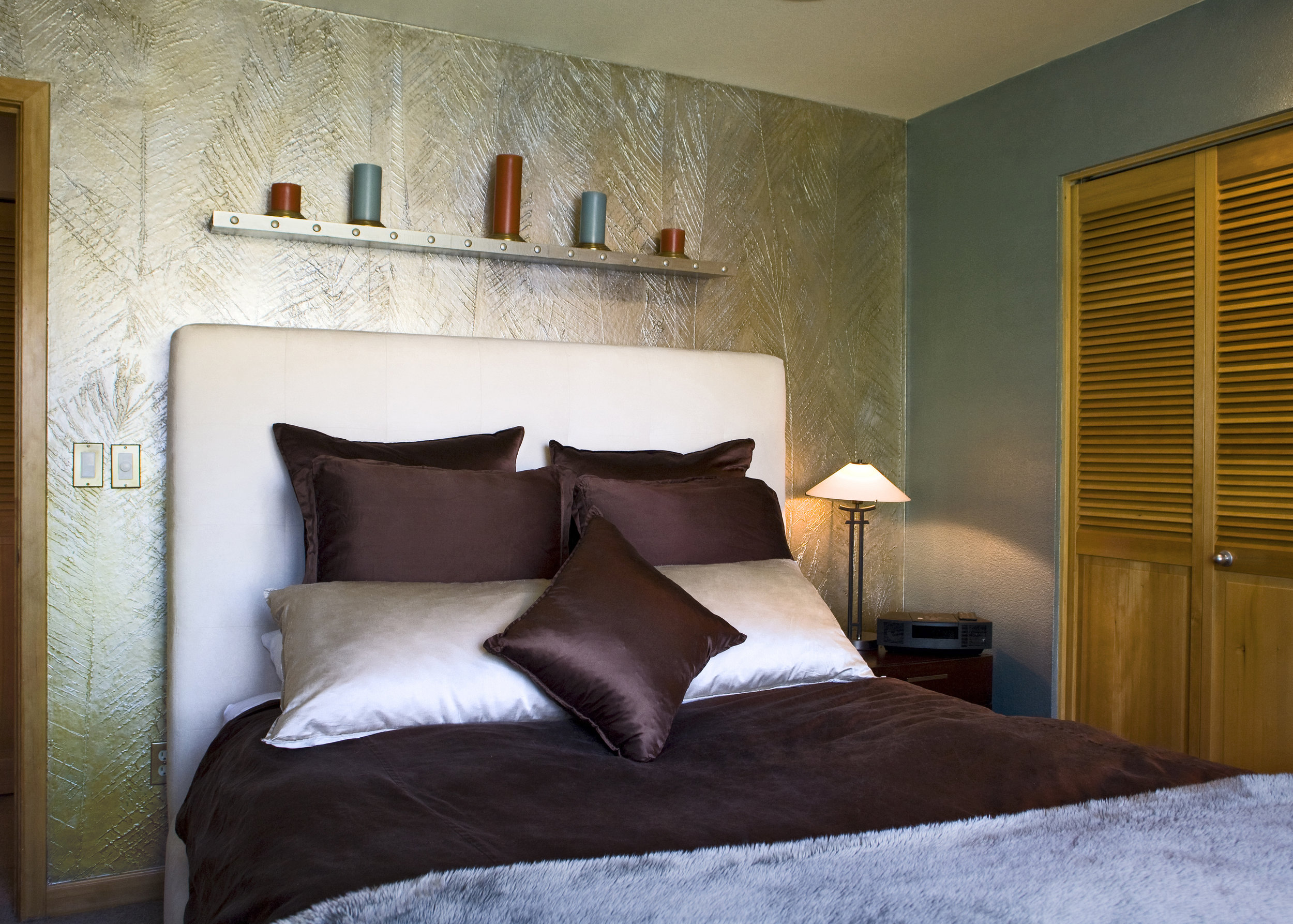 bedroom_high_crop.jpg