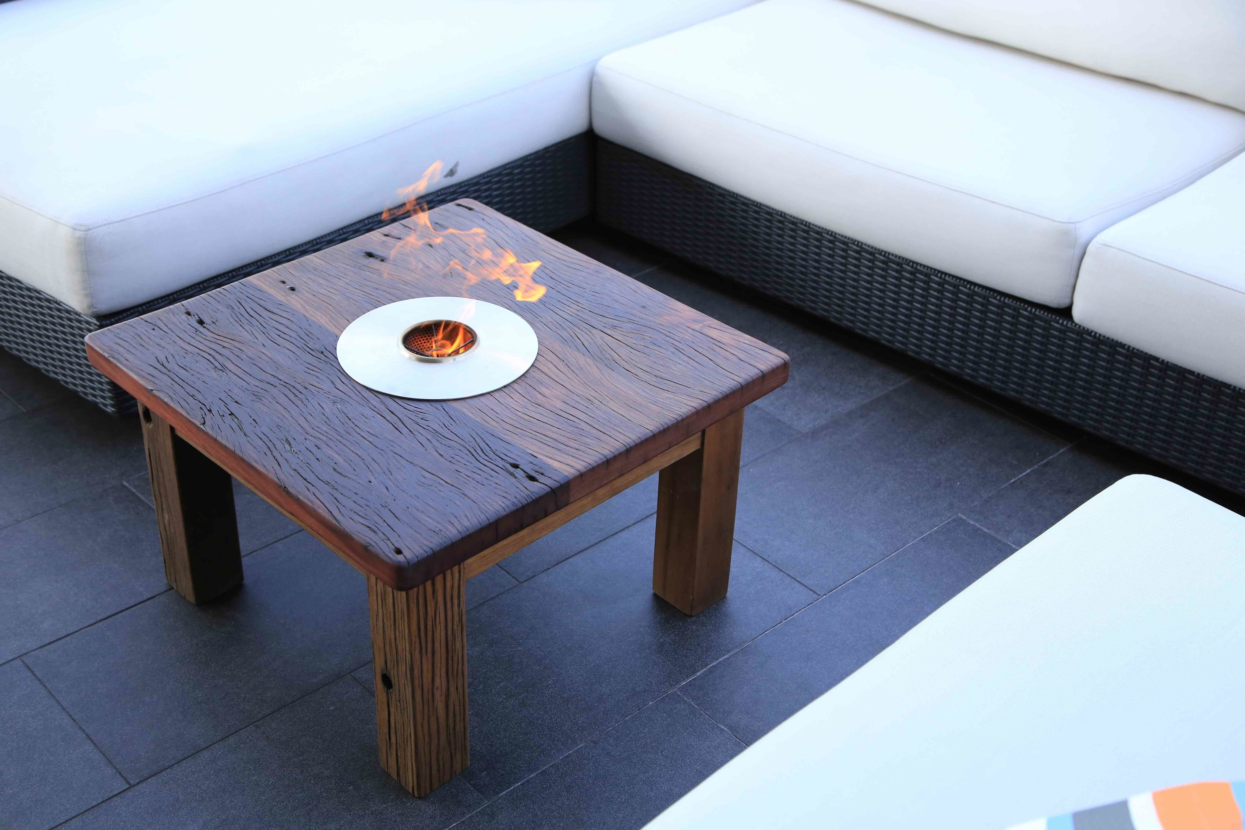 Oudoor coffee table fire 1.jpg